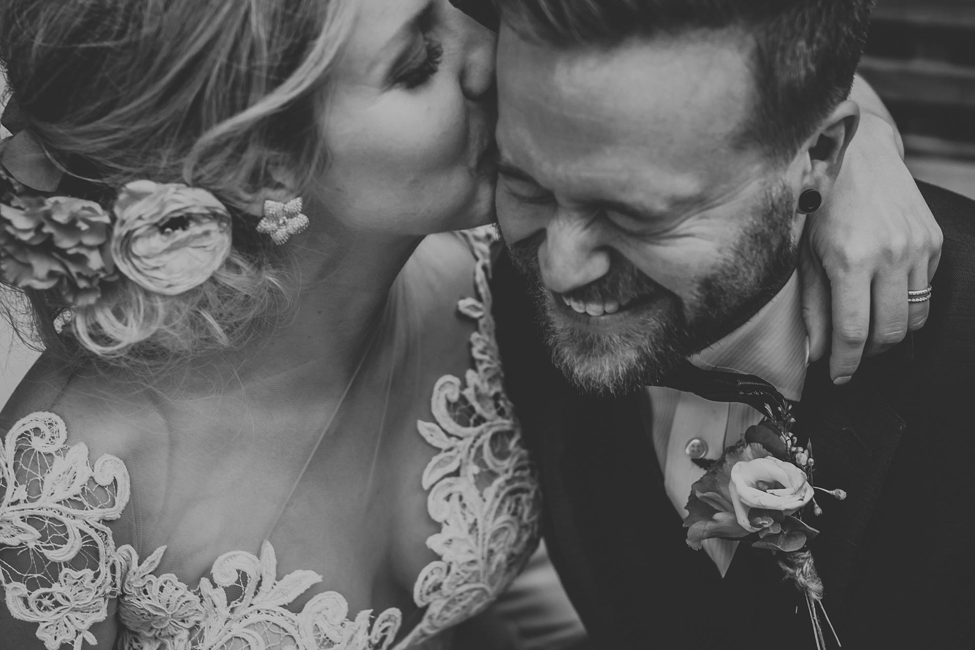 Toronto_Wedding_Photographer_Albany_Club_0049.jpg
