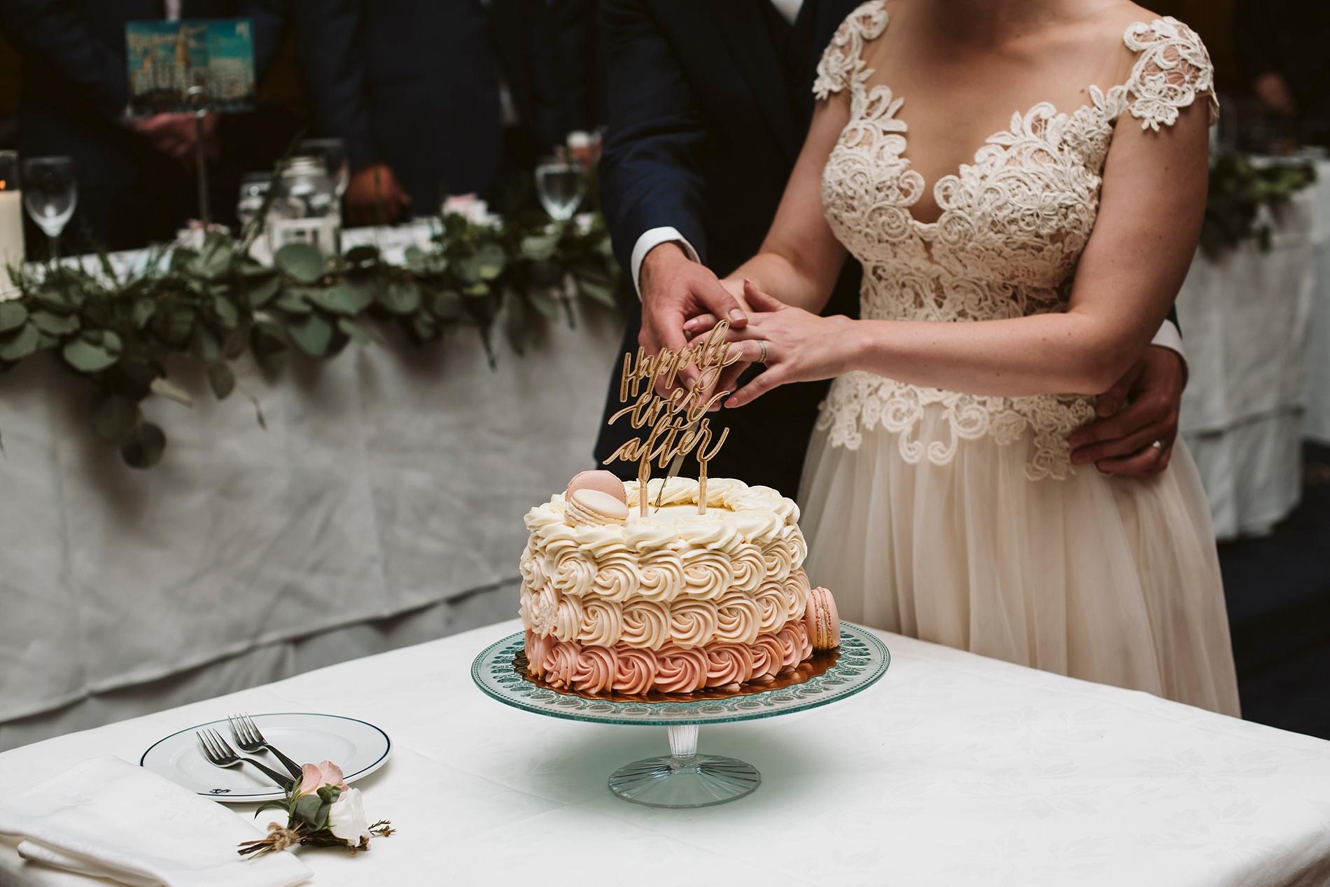 Toronto_Wedding_Photographer_Albany_Club_0084.jpg