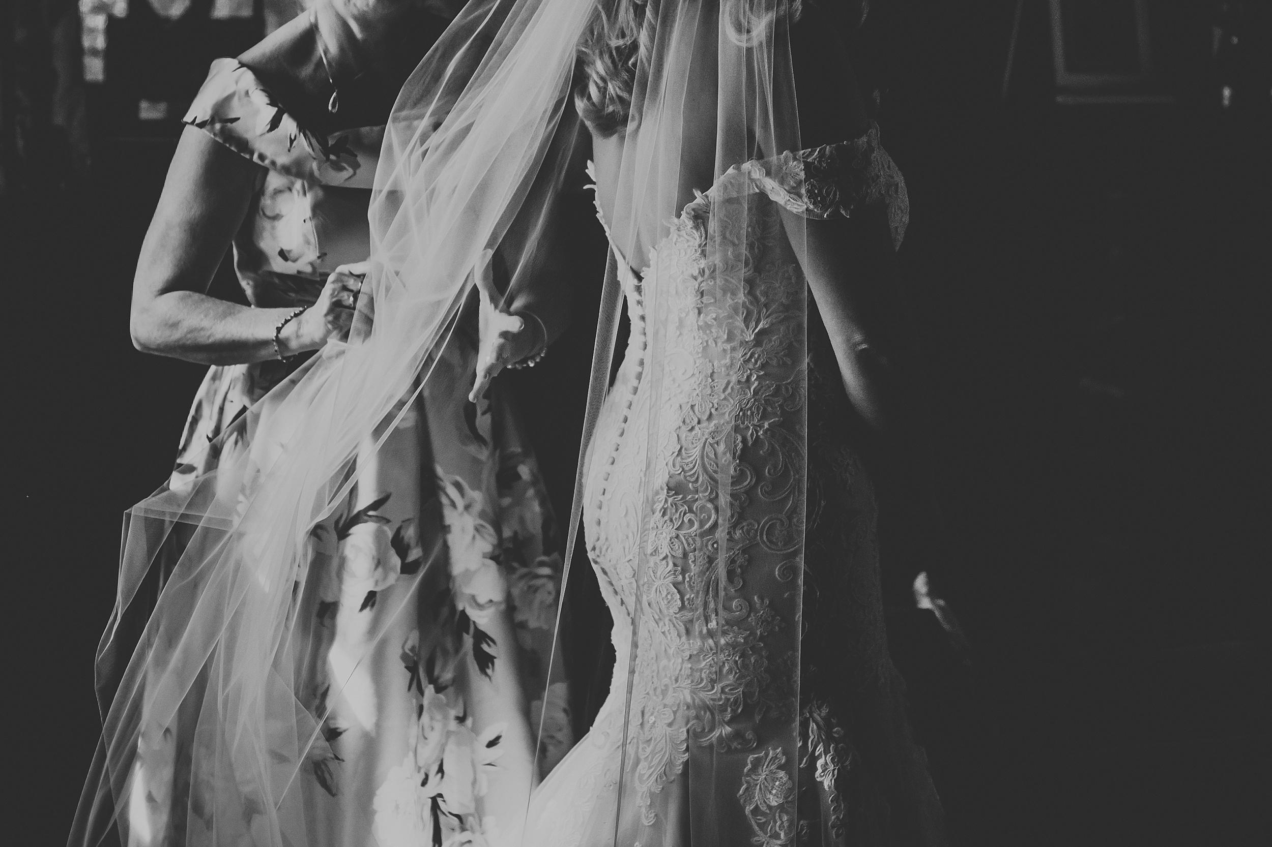 Rustic_Backyard_Wedding_Toronto_Photographer013.jpg