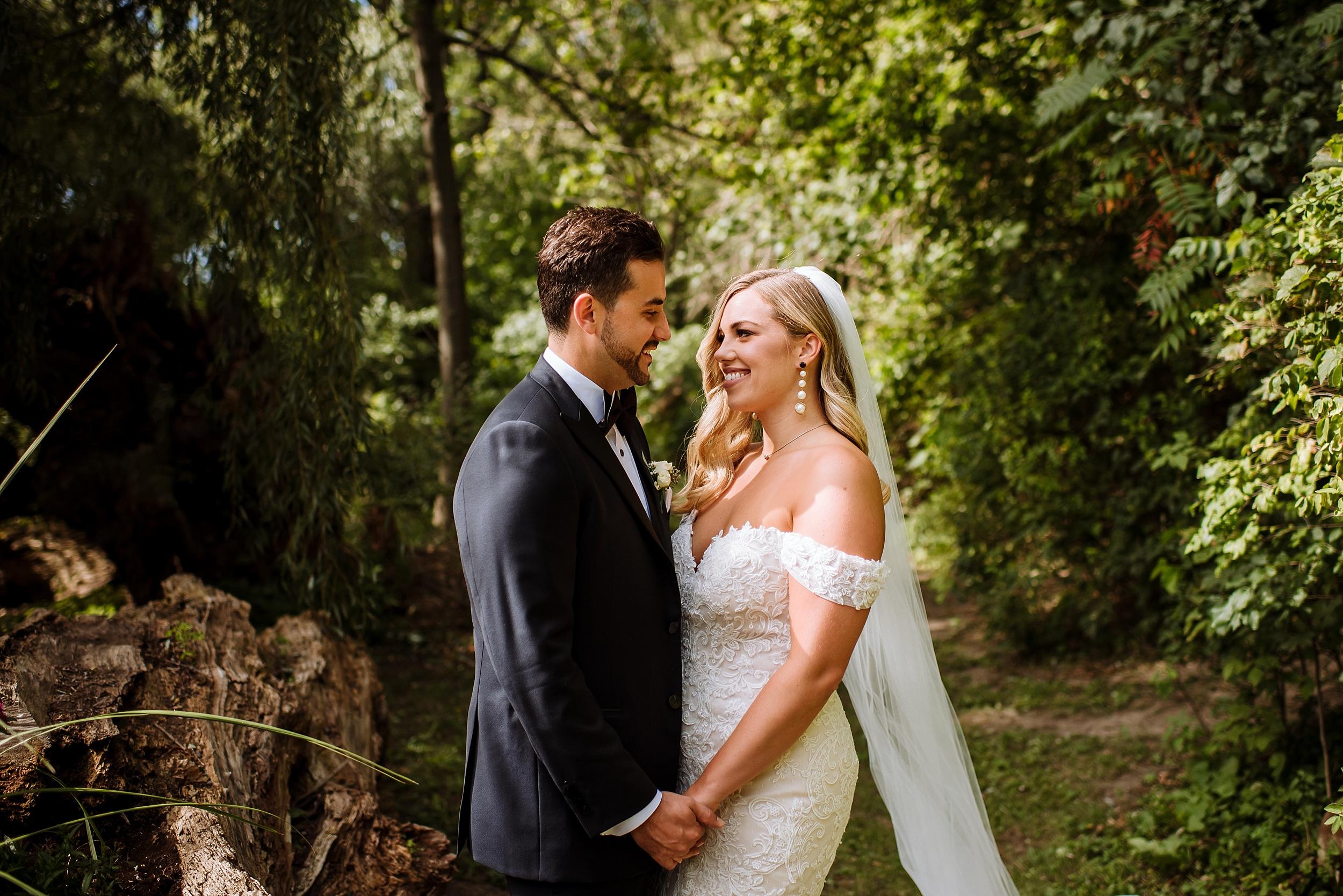 Rustic_Backyard_Wedding_Toronto_Photographer041.jpg