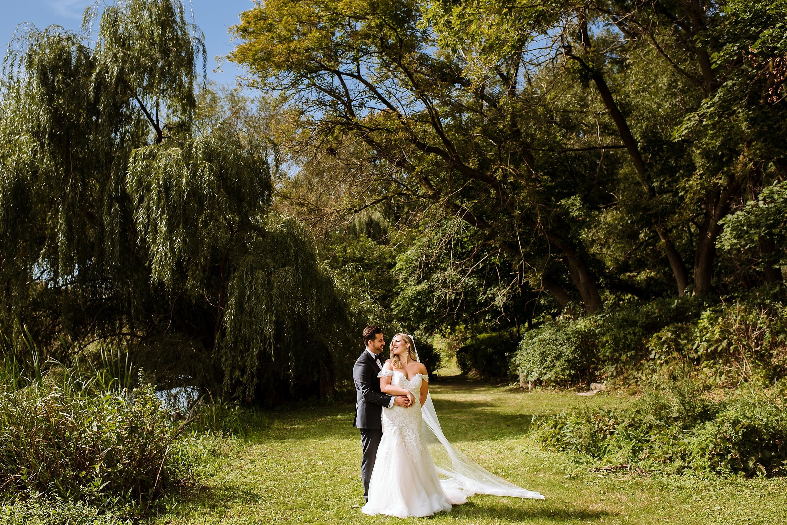 Rustic_Backyard_Wedding_Toronto_Photographer047.jpg