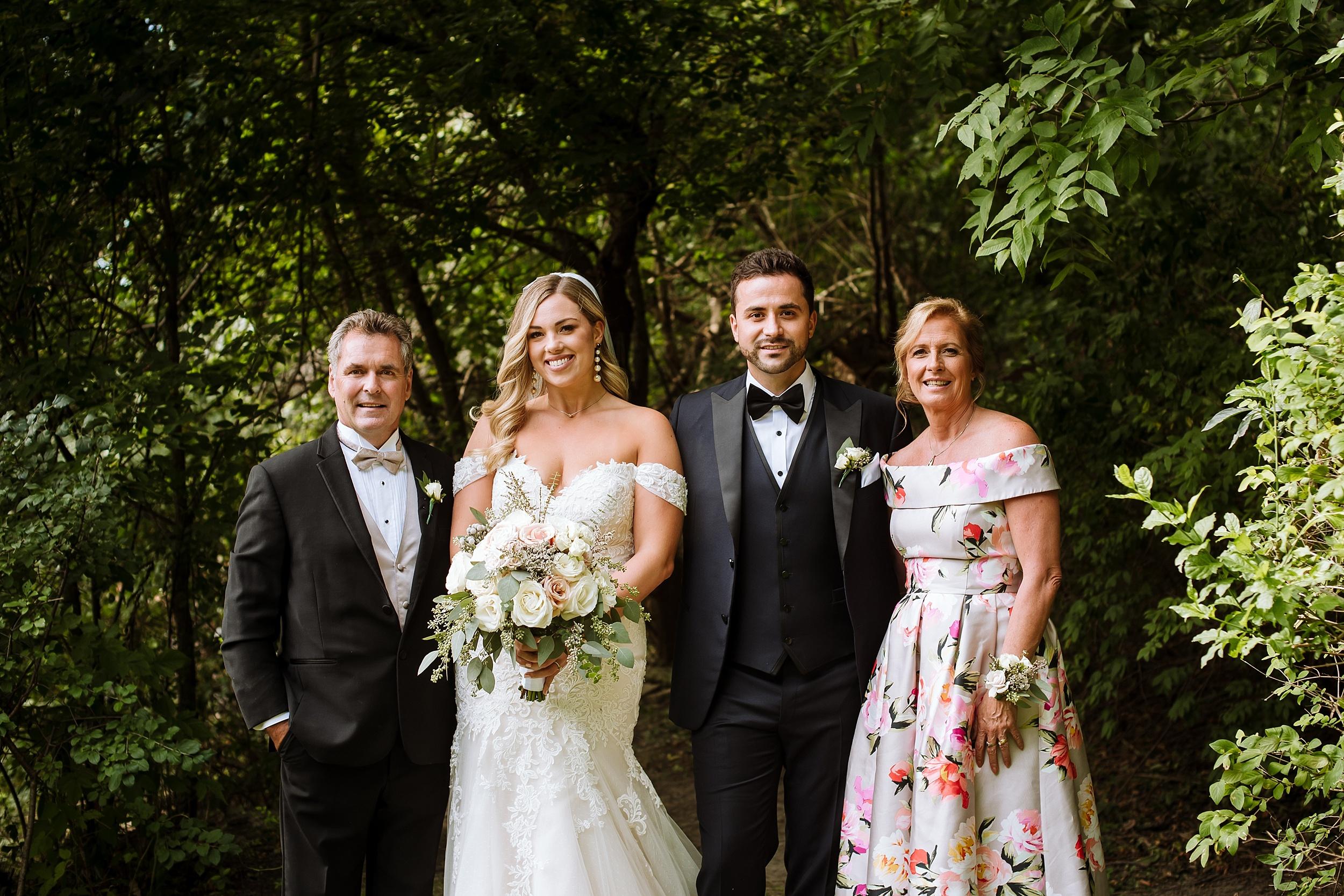 Rustic_Backyard_Wedding_Toronto_Photographer069.jpg