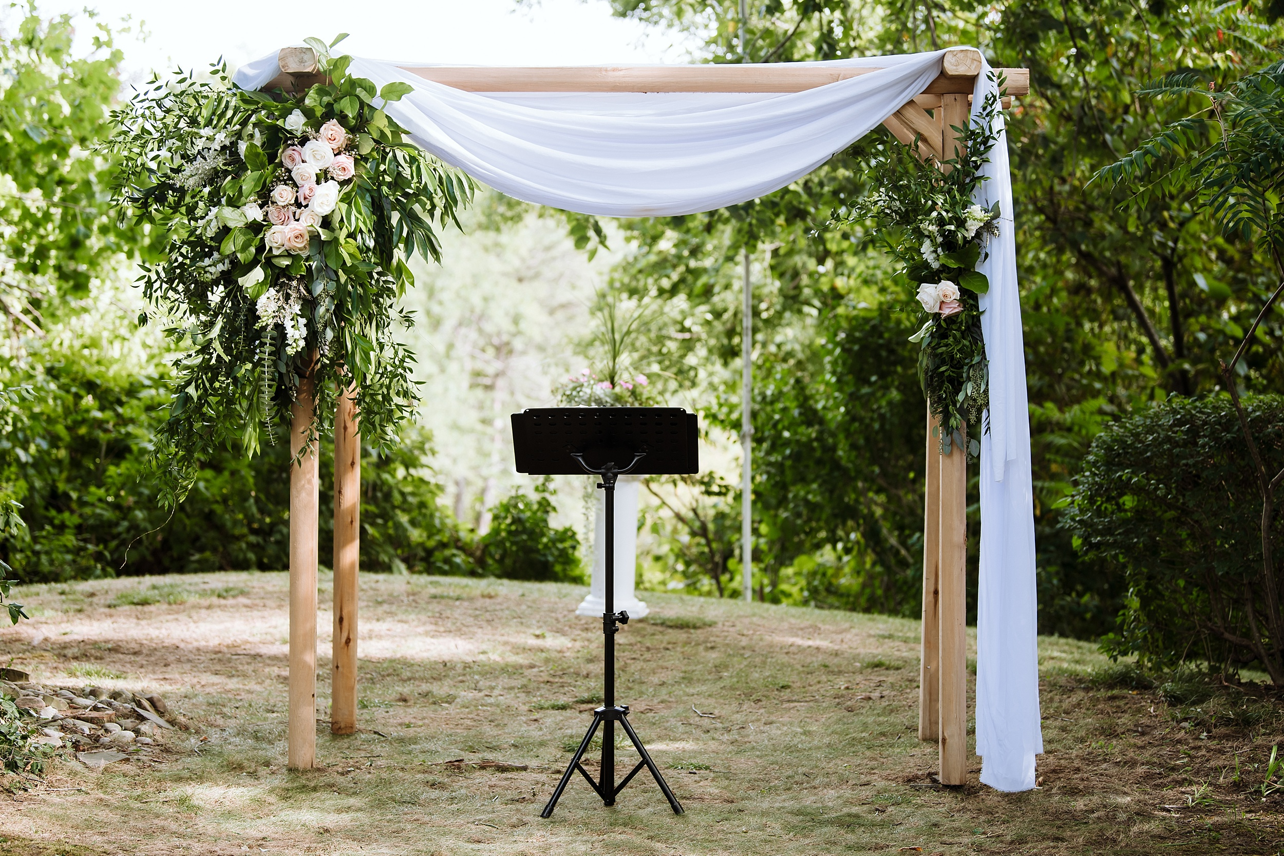 Rustic_Backyard_Wedding_Toronto_Photographer080.jpg