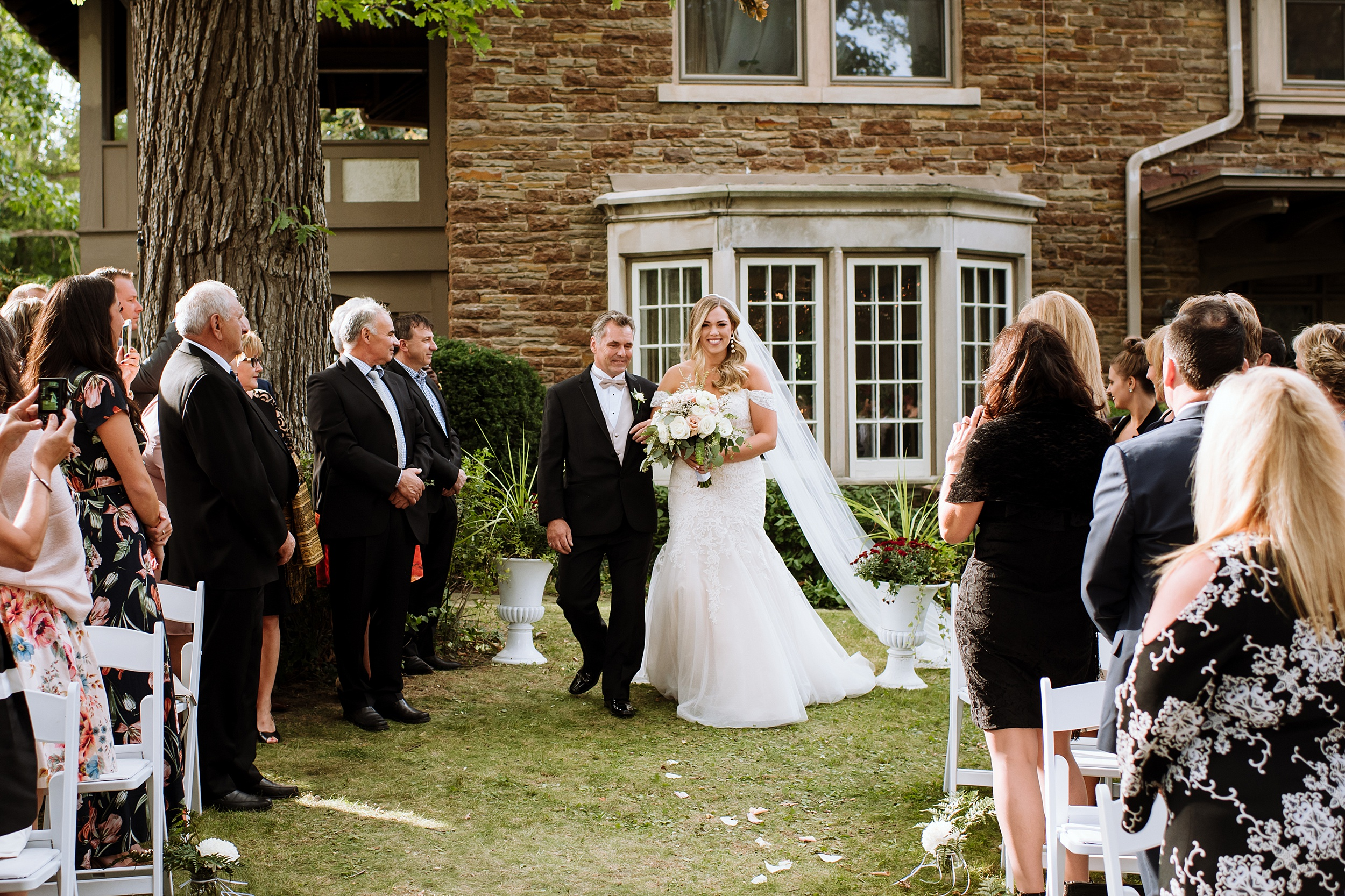 Rustic_Backyard_Wedding_Toronto_Photographer094.jpg