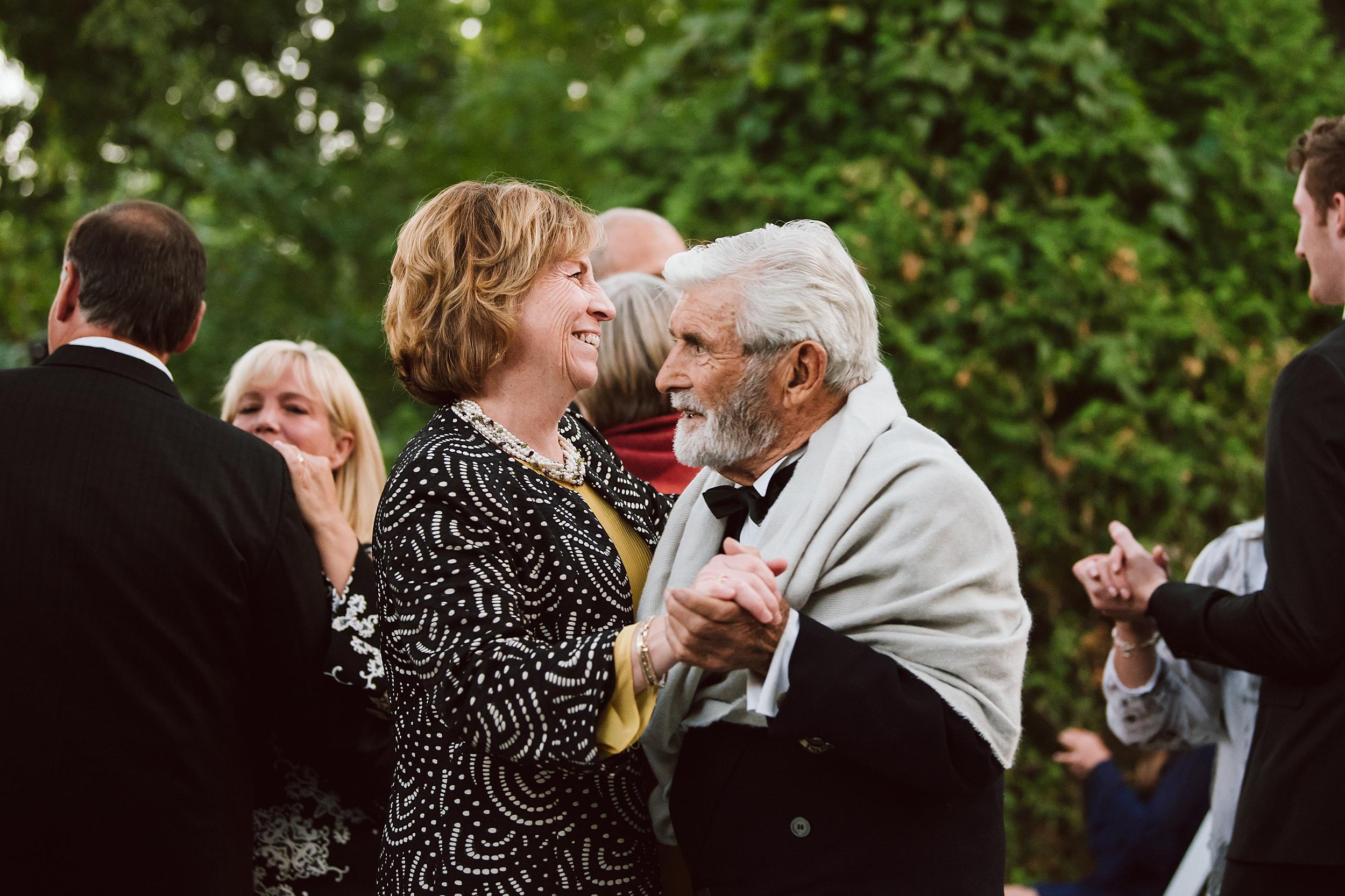 Rustic_Backyard_Wedding_Toronto_Photographer138.jpg