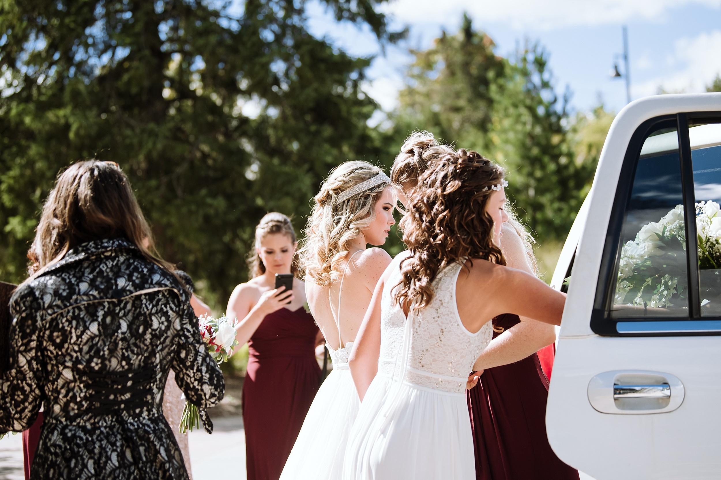 McMichael_Art_Collection_Wedding_chateau_le_jardin_Justine_Munro_Toronto_Photographer003.jpg