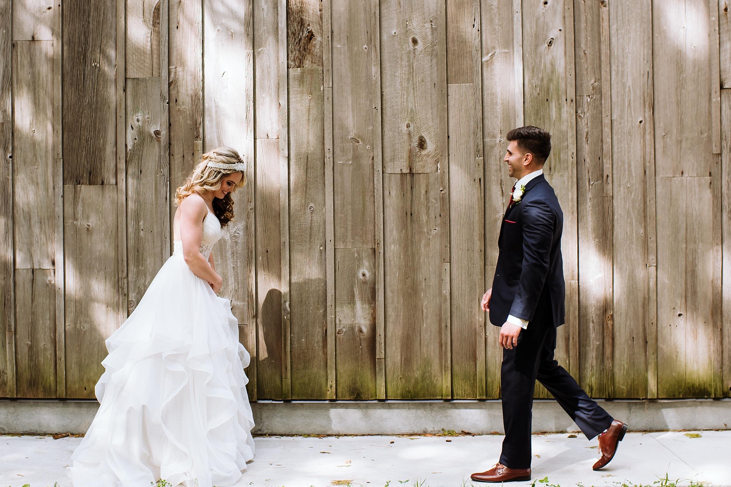 McMichael_Art_Collection_Wedding_chateau_le_jardin_Justine_Munro_Toronto_Photographer007.jpg