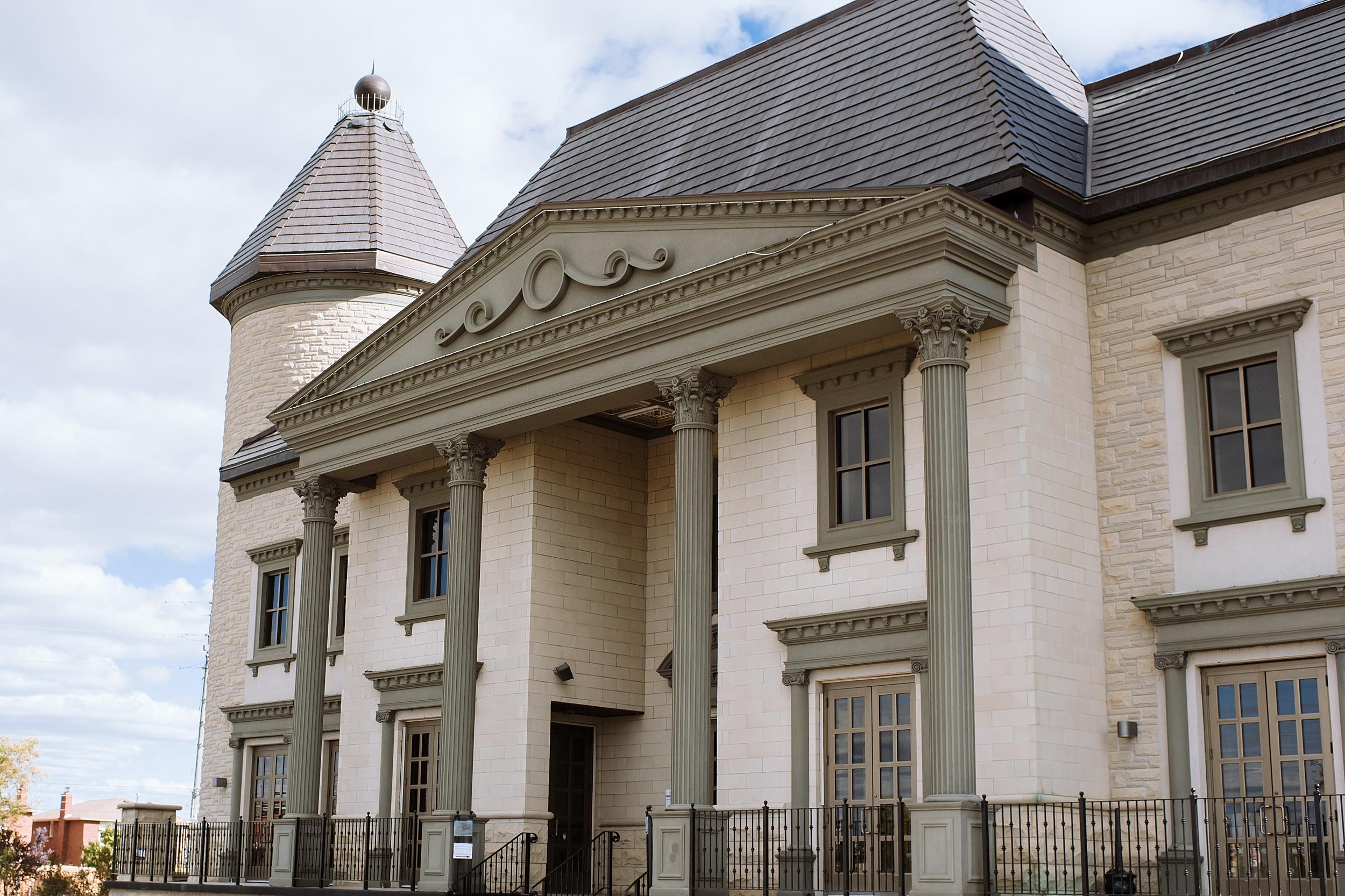 McMichael_Art_Collection_Wedding_chateau_le_jardin_Justine_Munro_Toronto_Photographer040.jpg