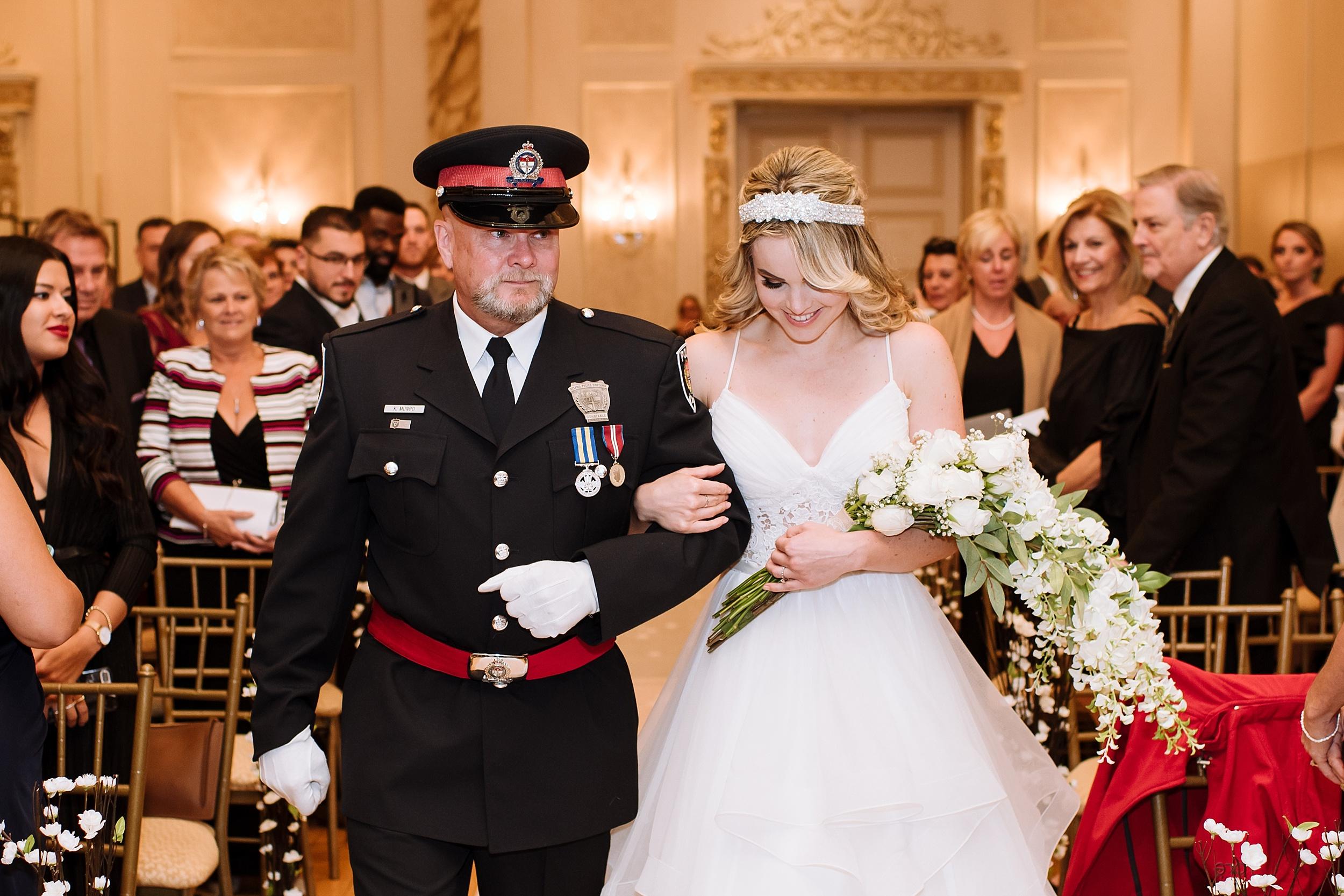 McMichael_Art_Collection_Wedding_chateau_le_jardin_Justine_Munro_Toronto_Photographer051.jpg