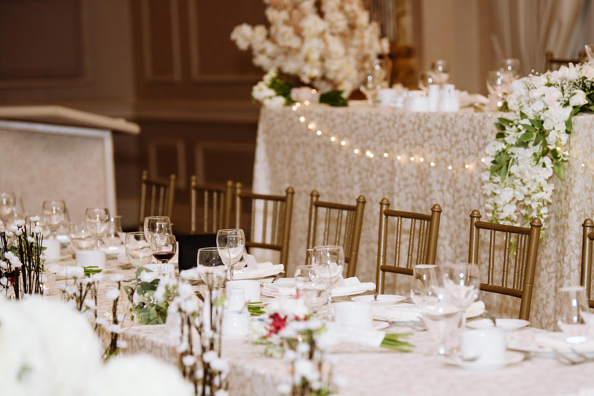 McMichael_Art_Collection_Wedding_chateau_le_jardin_Justine_Munro_Toronto_Photographer063.jpg