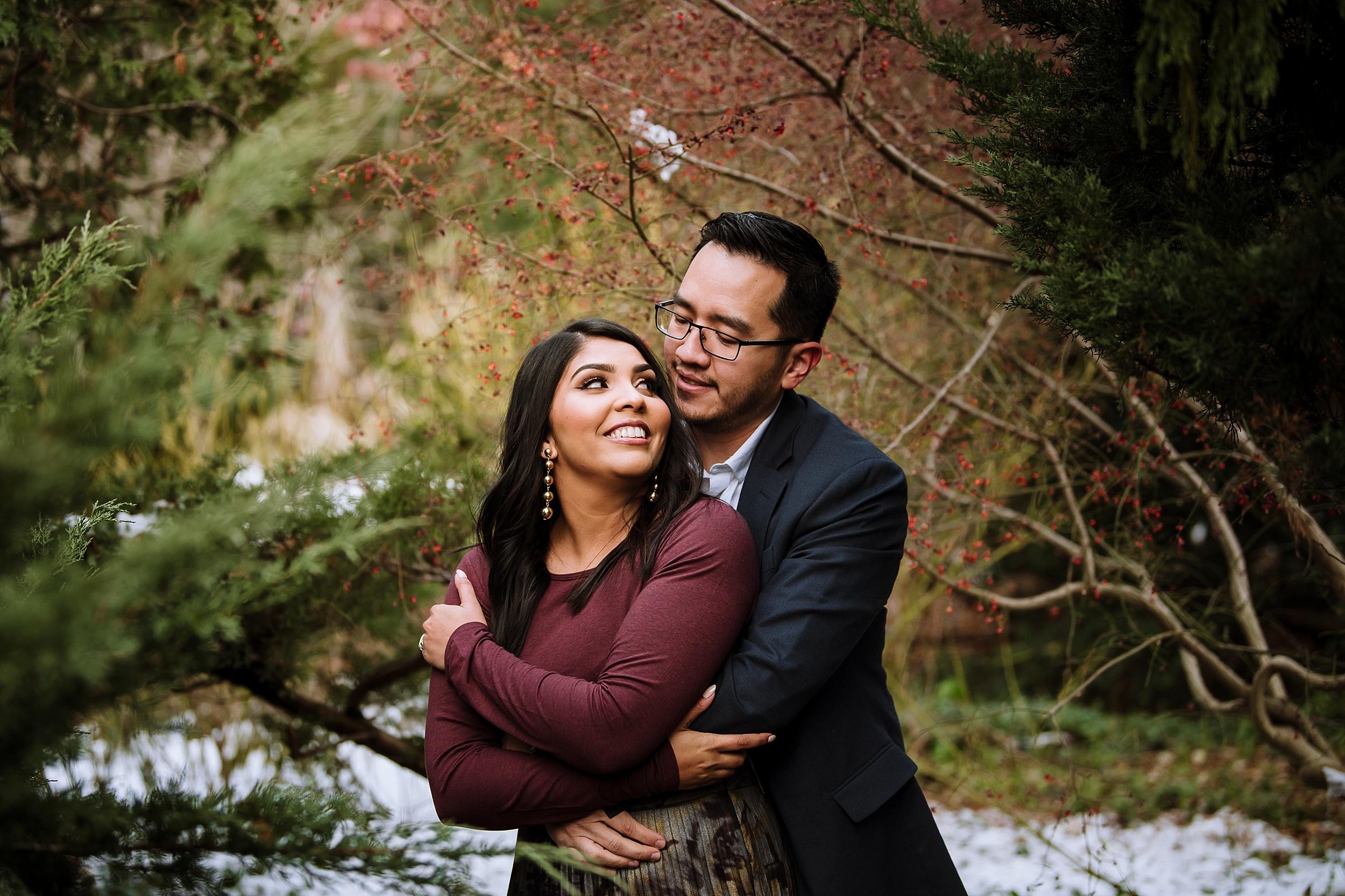 Alexander_Muir_Memorial_Gardens_Engagement_Shoot_Toronto_Wedding_Photographer_0011.jpg
