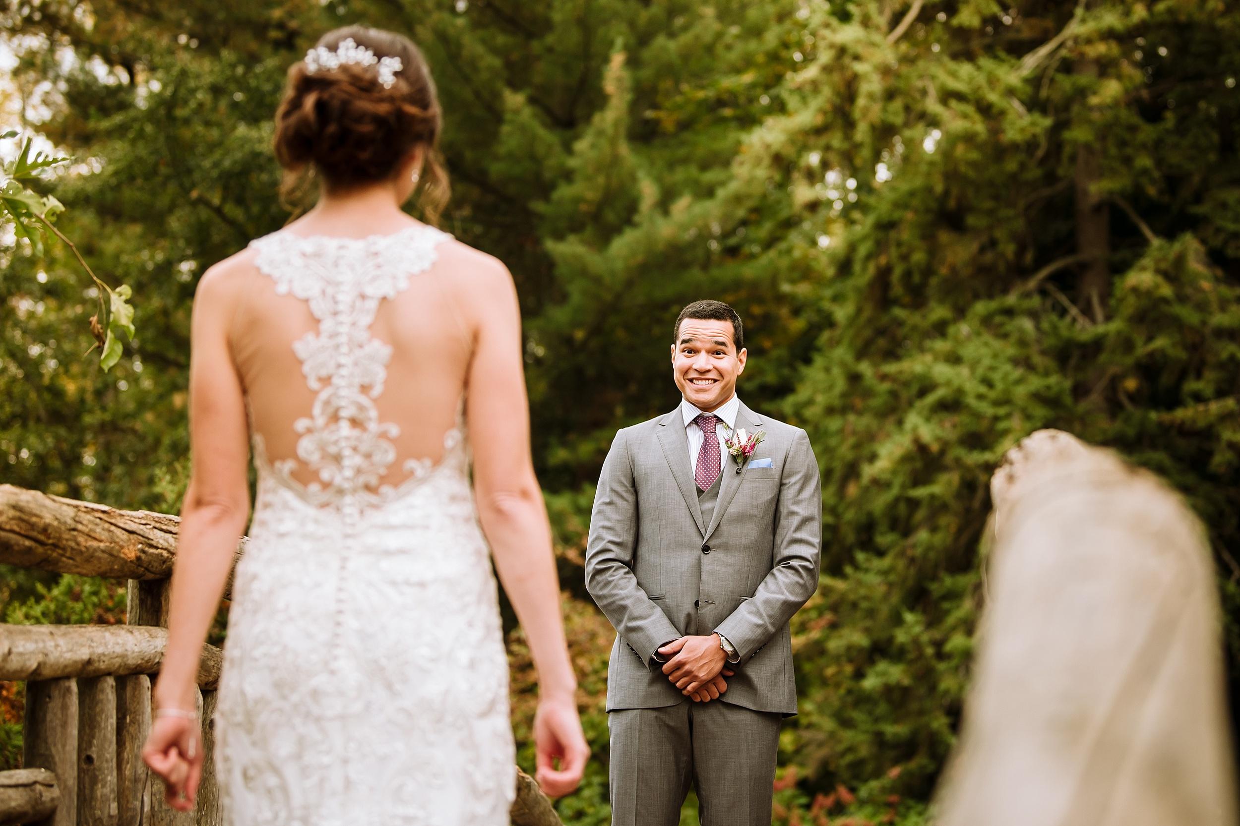 Toronto_Wedding_Photographer_Edwards_Gardens_0024.jpg