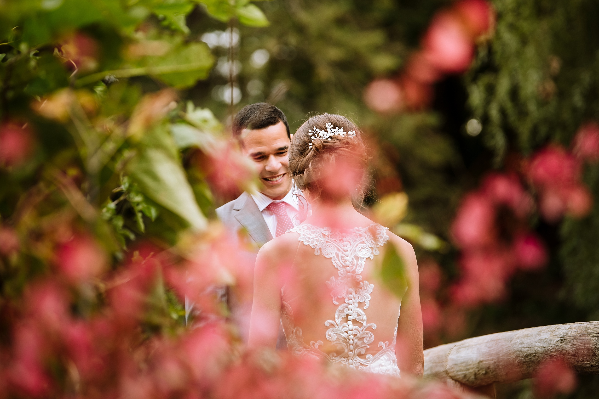 Toronto_Wedding_Photographer_Edwards_Gardens_0027.jpg