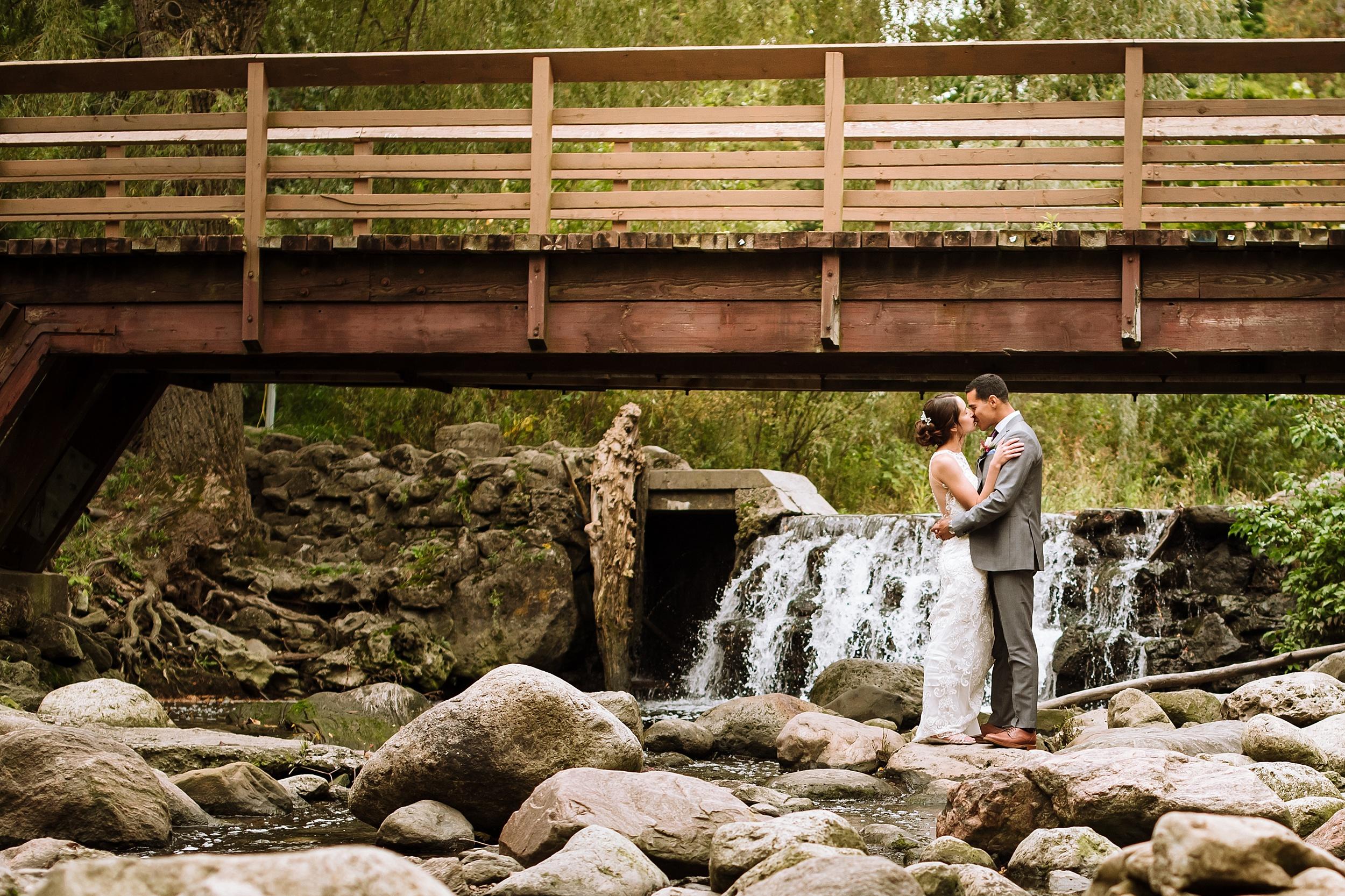 Toronto_Wedding_Photographer_Edwards_Gardens_0058.jpg