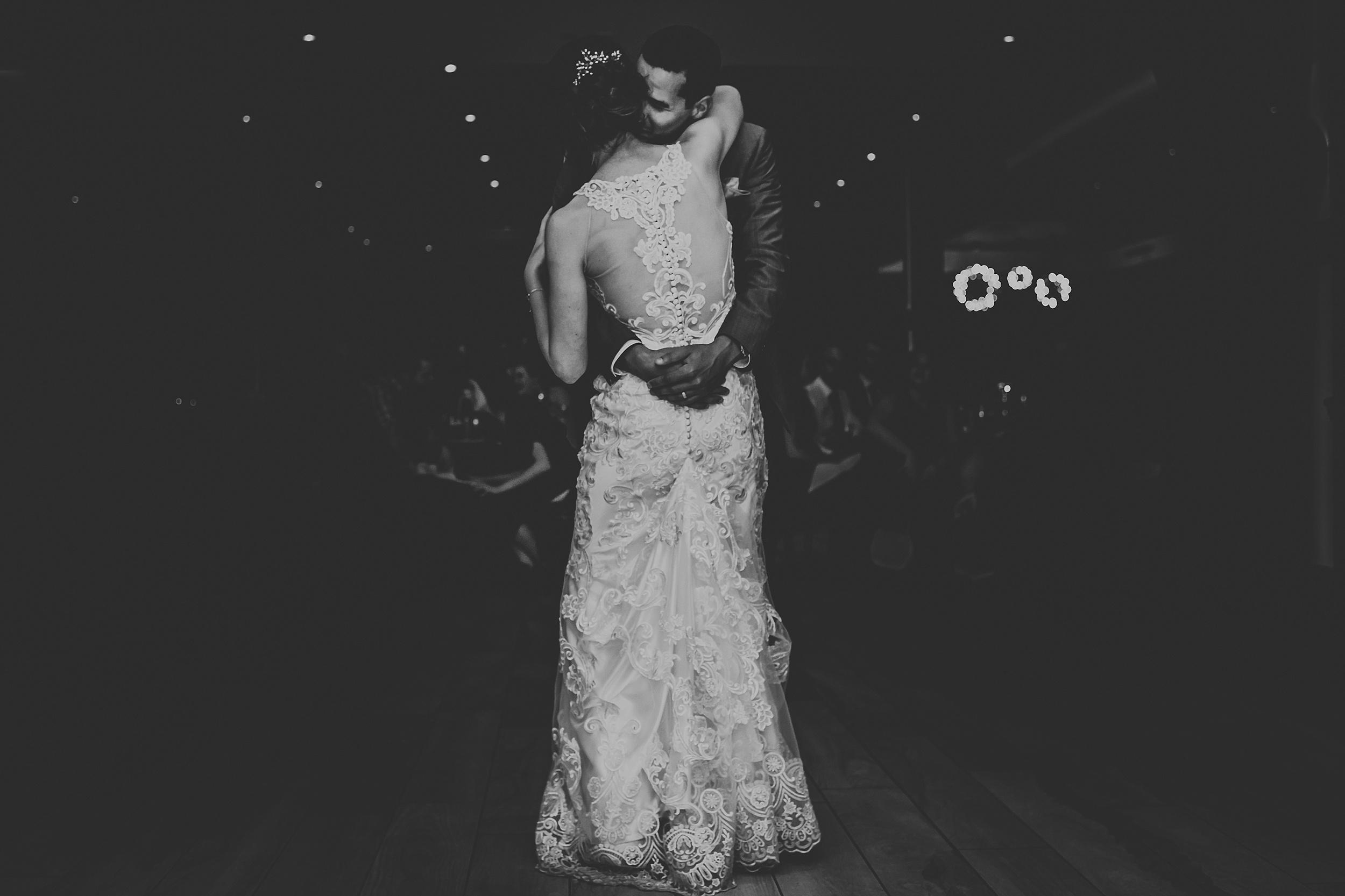 Toronto_Wedding_Photographer_Edwards_Gardens_0120.jpg