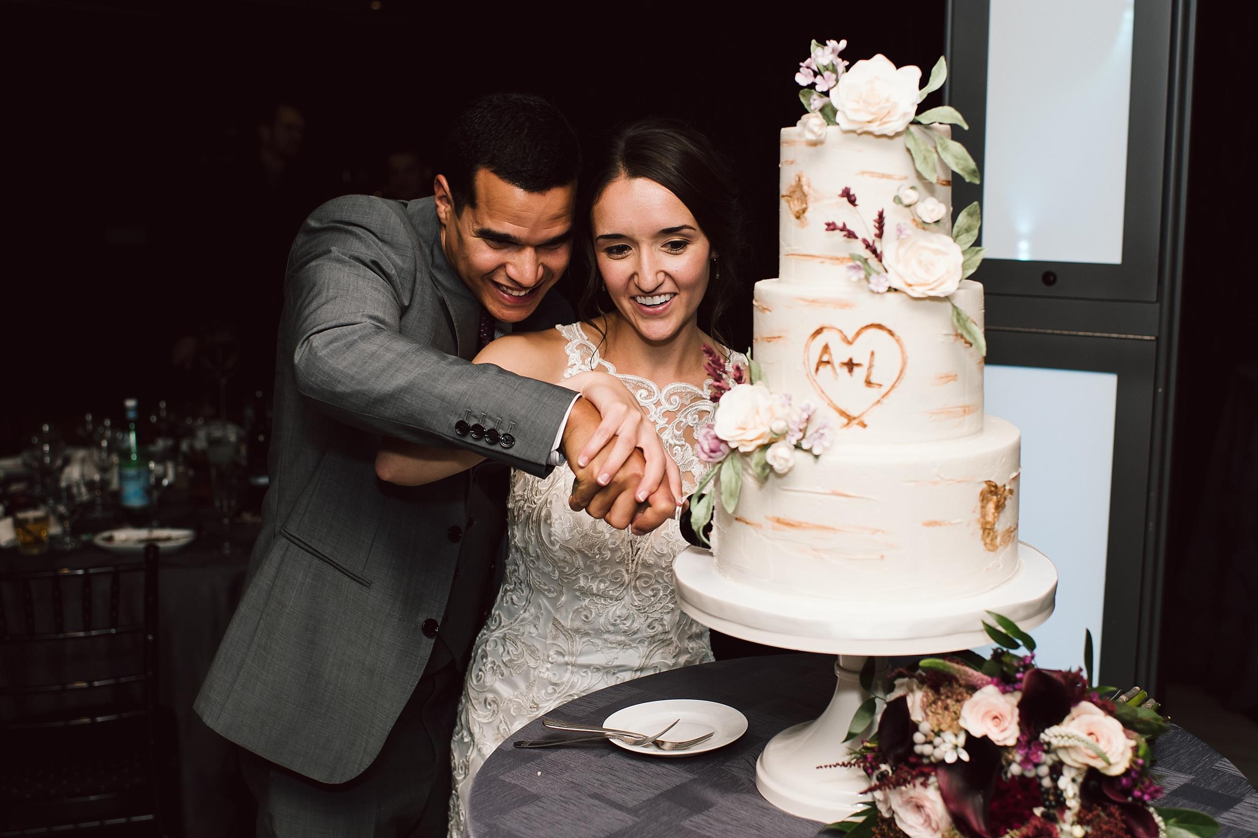 Toronto_Wedding_Photographer_Edwards_Gardens_0141.jpg