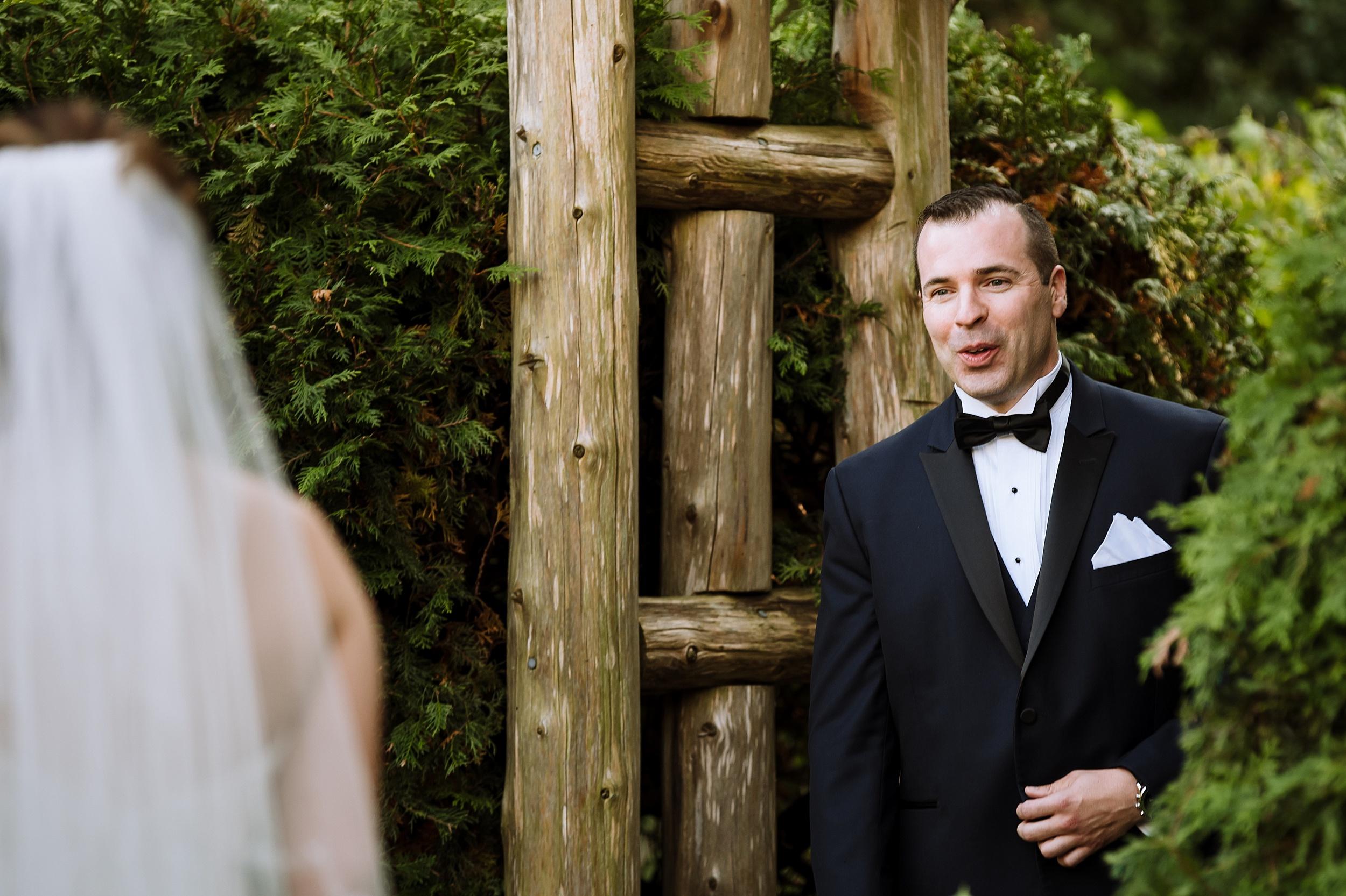 Sunnybrook_Estates_Alexander_Muir_Toronto_Wedding_Photographer_0004.jpg