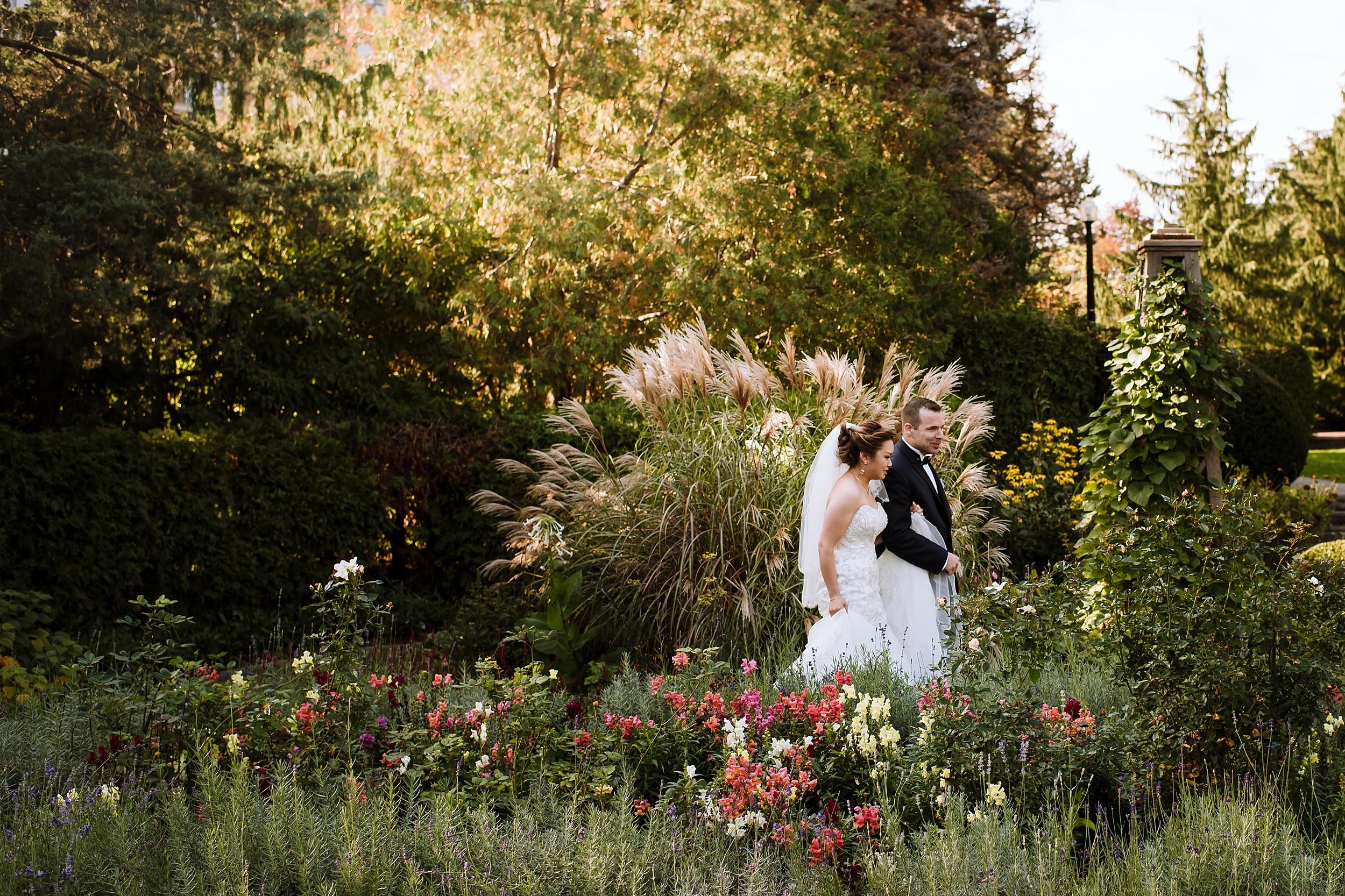Sunnybrook_Estates_Alexander_Muir_Toronto_Wedding_Photographer_0005.jpg
