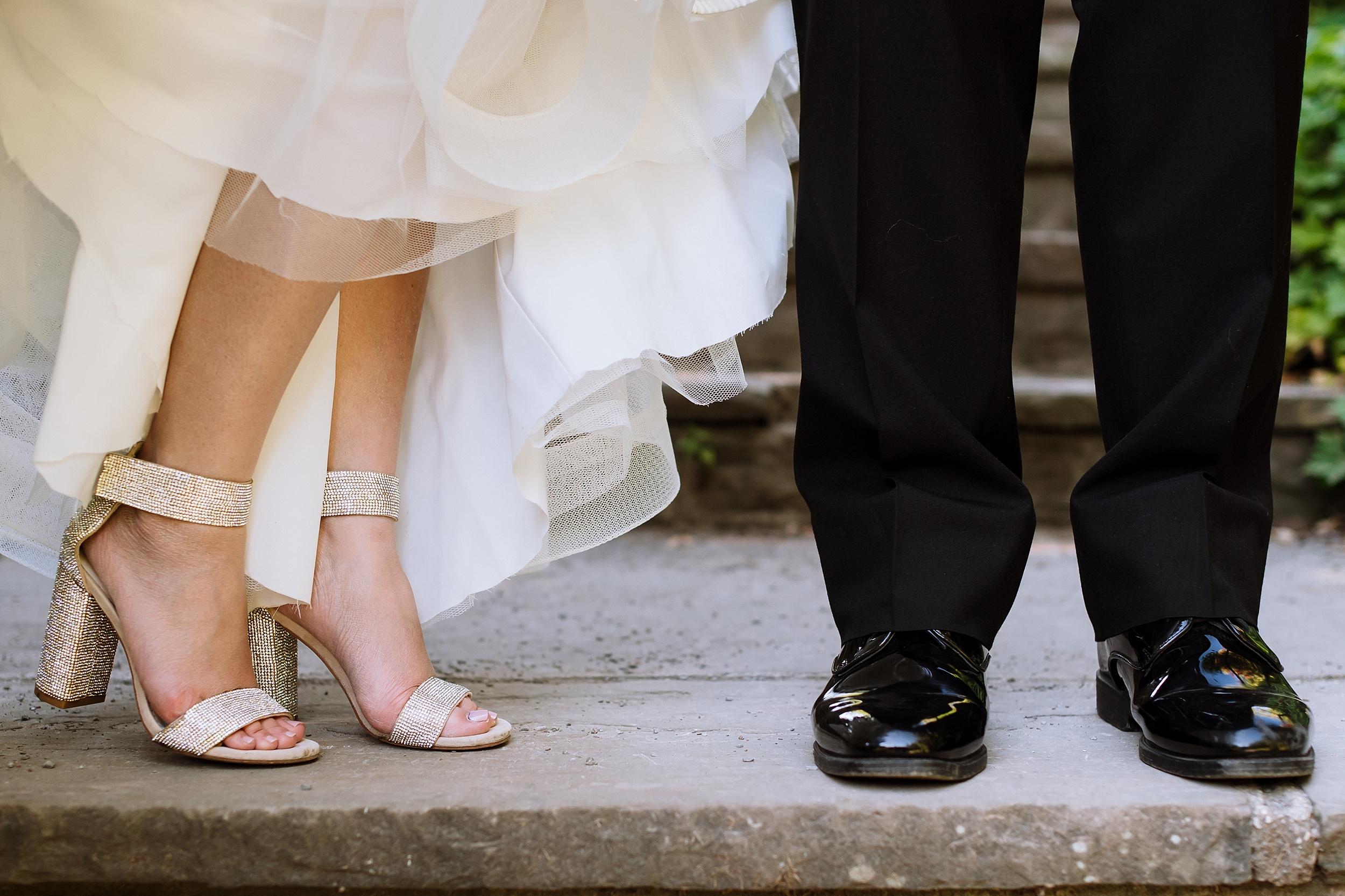 Sunnybrook_Estates_Alexander_Muir_Toronto_Wedding_Photographer_0024.jpg
