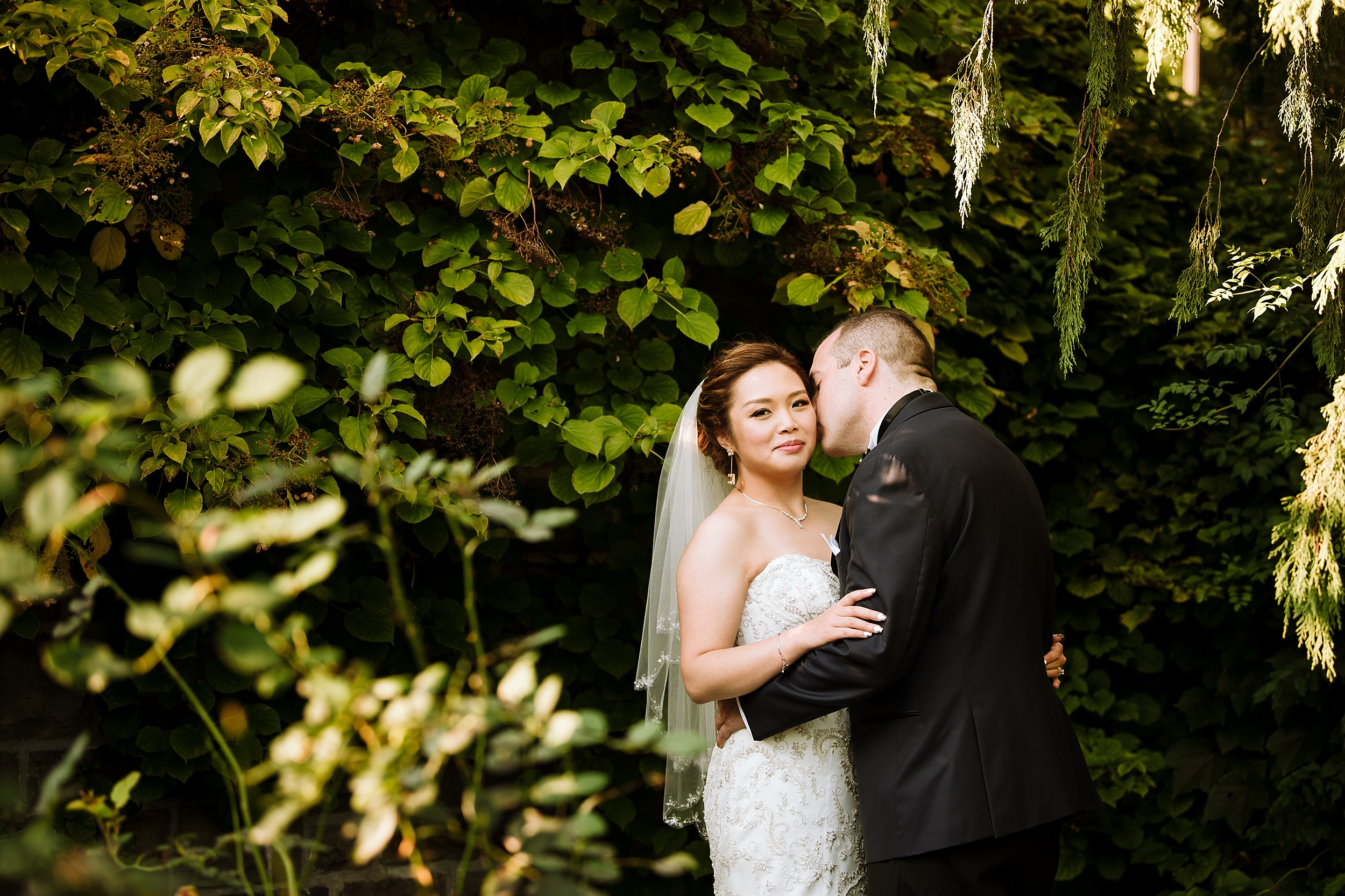 Sunnybrook_Estates_Alexander_Muir_Toronto_Wedding_Photographer_0026.jpg