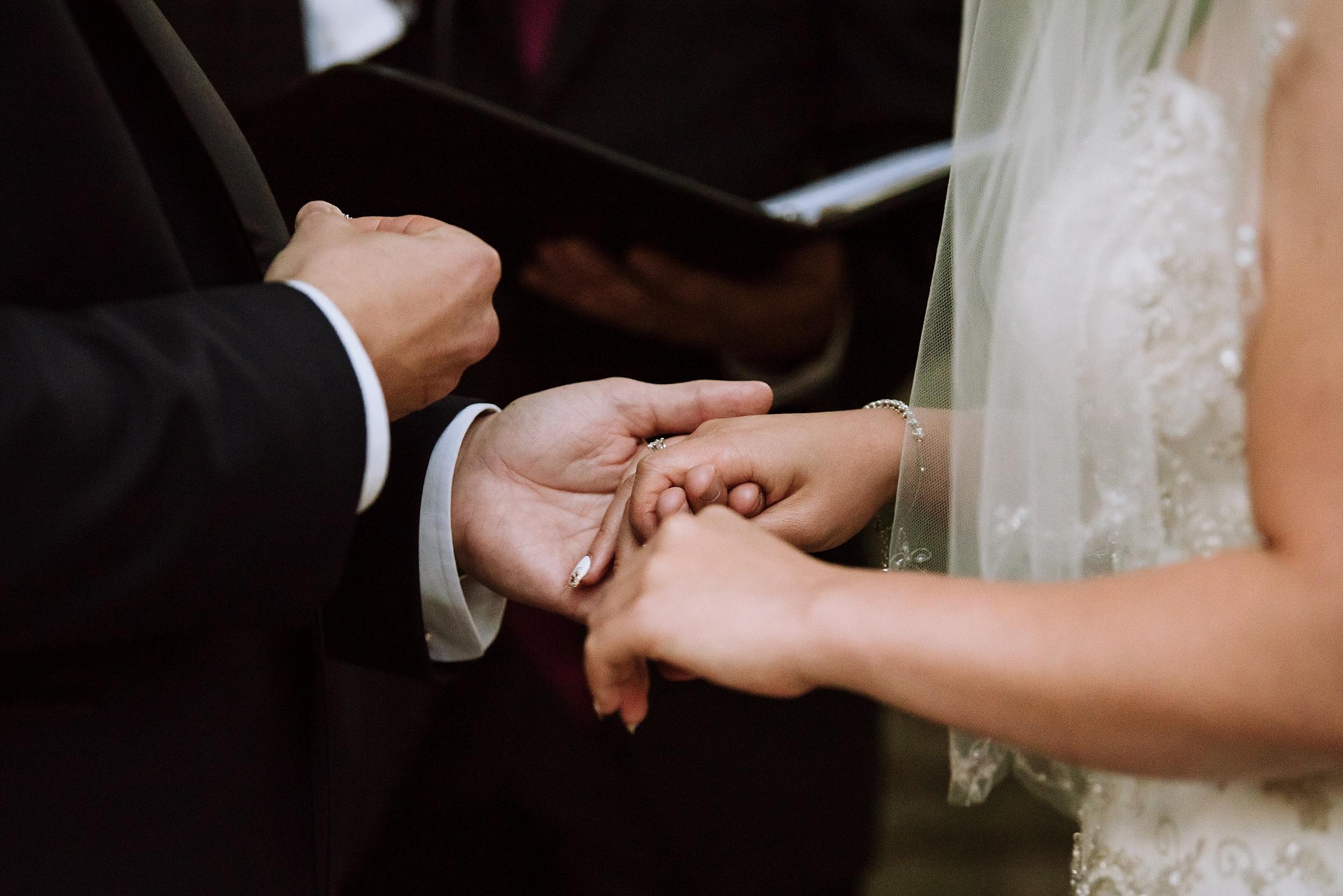 Sunnybrook_Estates_Alexander_Muir_Toronto_Wedding_Photographer_0056.jpg