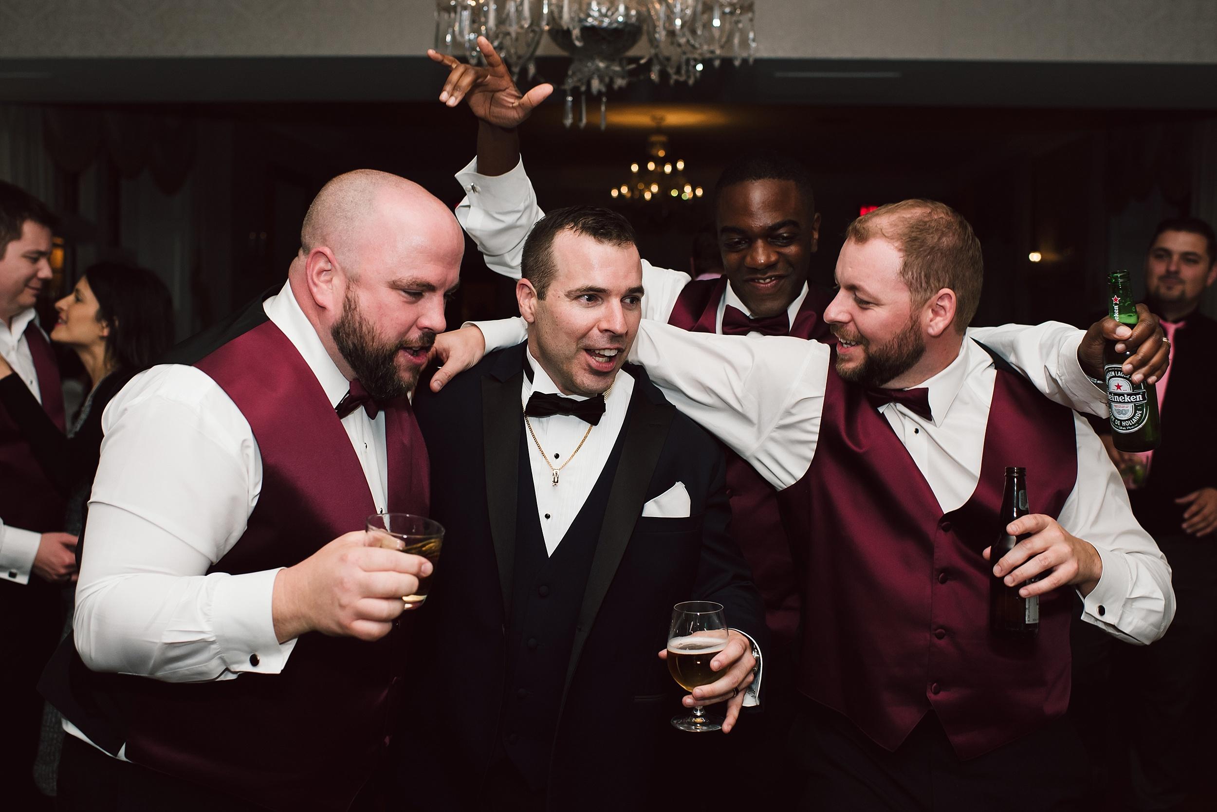 Sunnybrook_Estates_Alexander_Muir_Toronto_Wedding_Photographer_0104.jpg