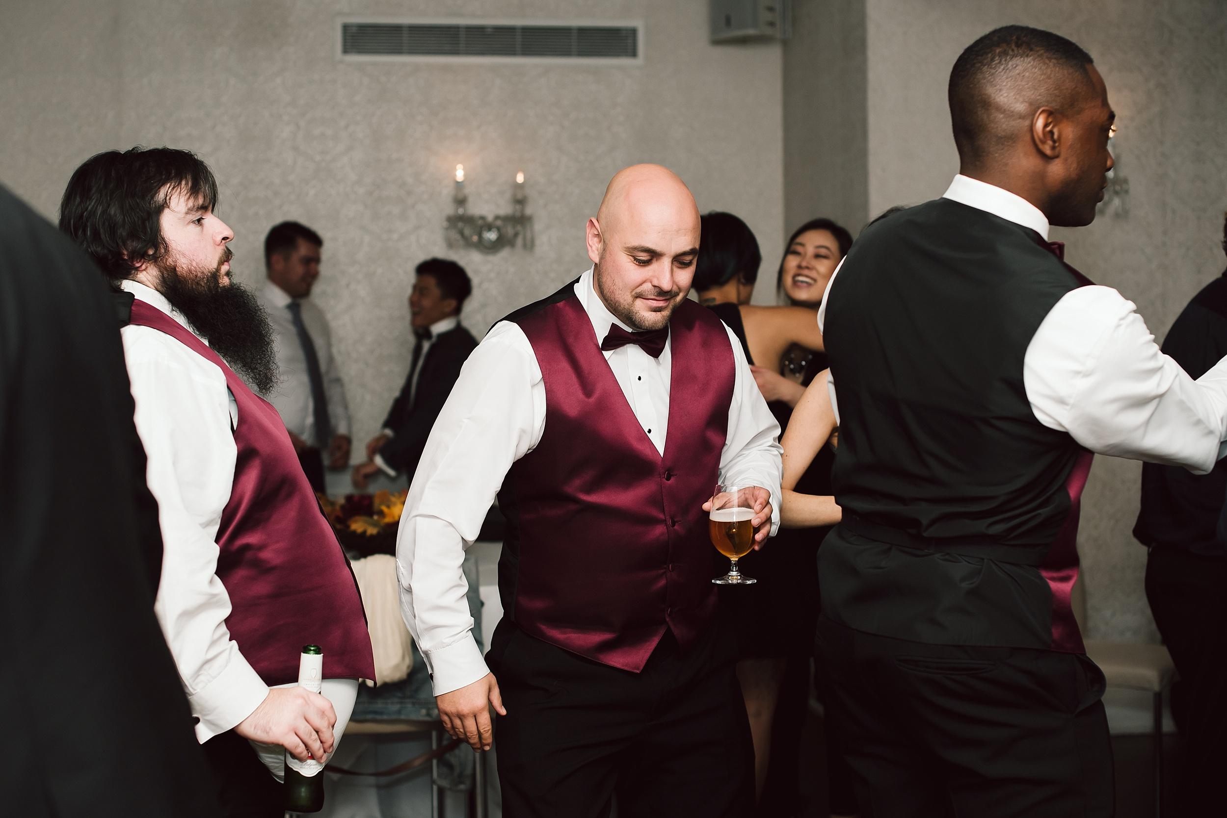 Sunnybrook_Estates_Alexander_Muir_Toronto_Wedding_Photographer_0106.jpg