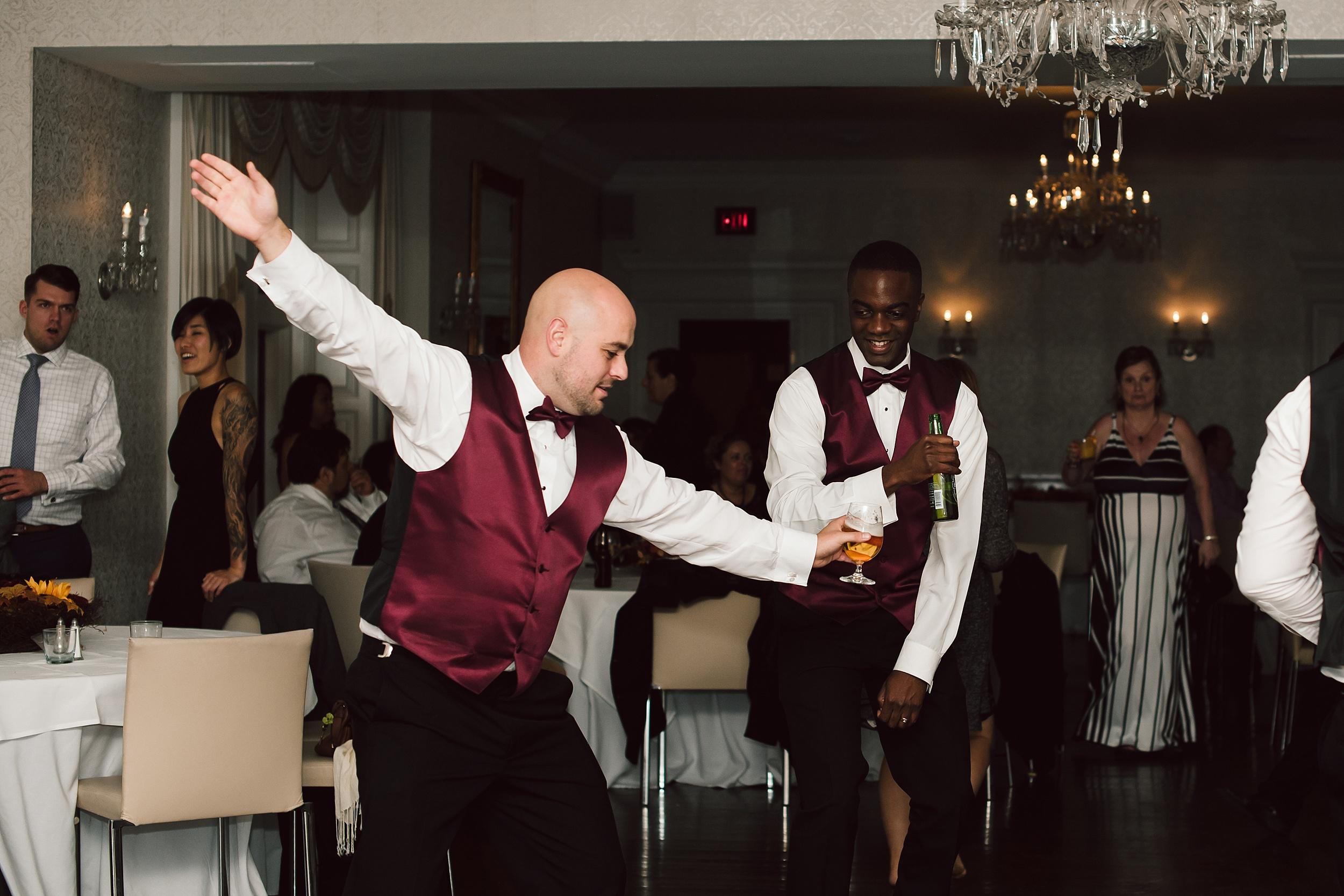 Sunnybrook_Estates_Alexander_Muir_Toronto_Wedding_Photographer_0107.jpg