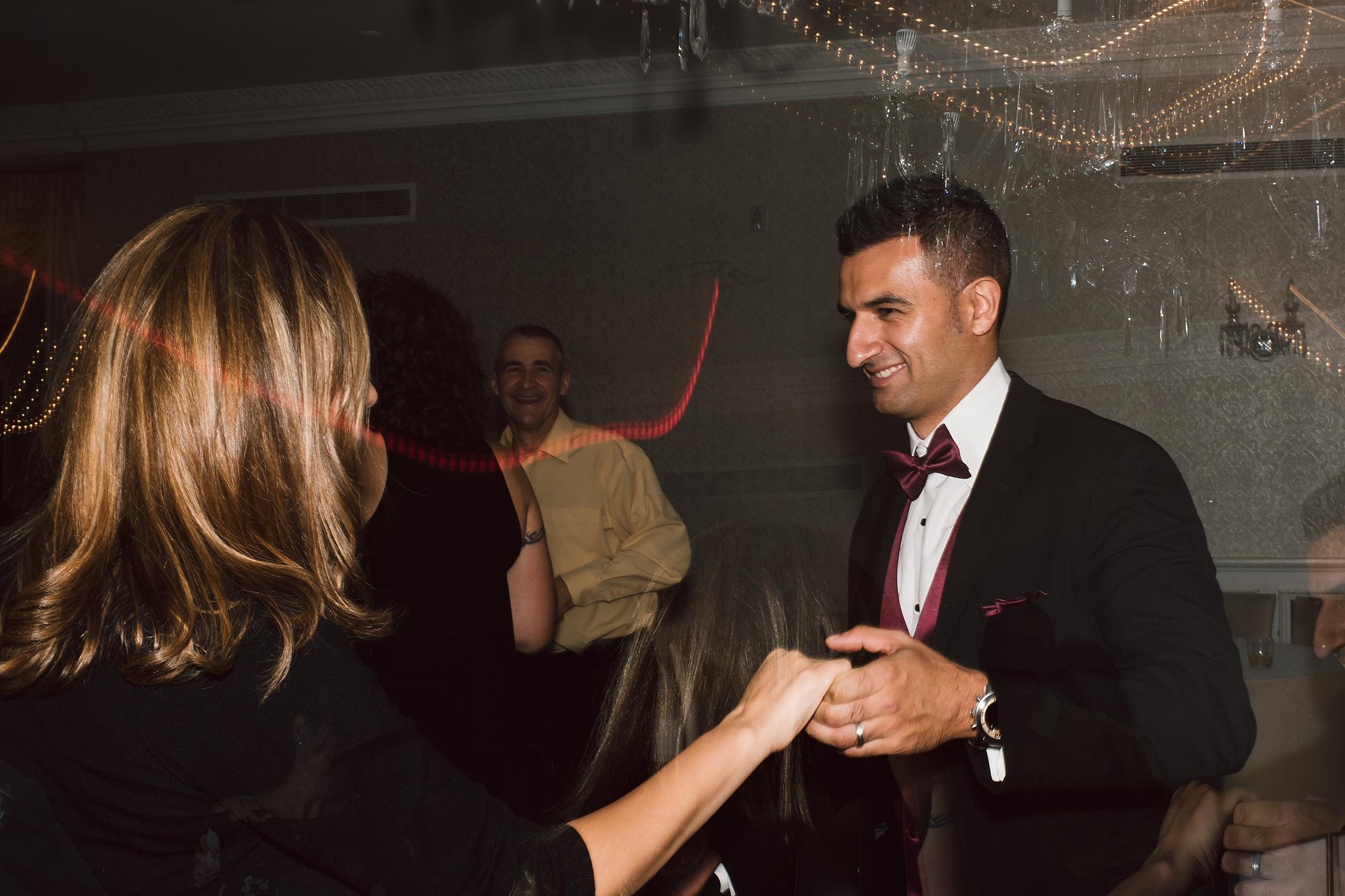 Sunnybrook_Estates_Alexander_Muir_Toronto_Wedding_Photographer_0117.jpg