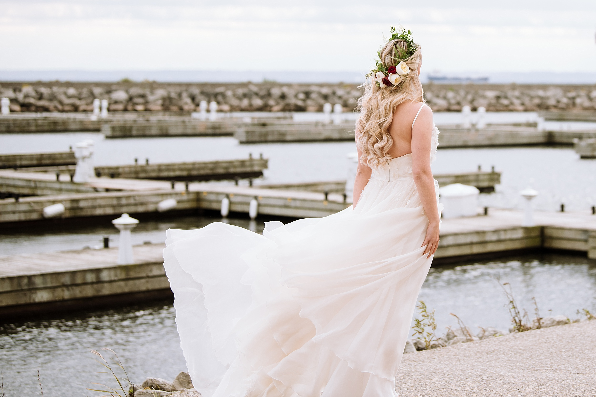 Oakville_Harbour_waterfront_conference_Centre_Toronto_Winter_Wedding_Photographer_0019.jpg