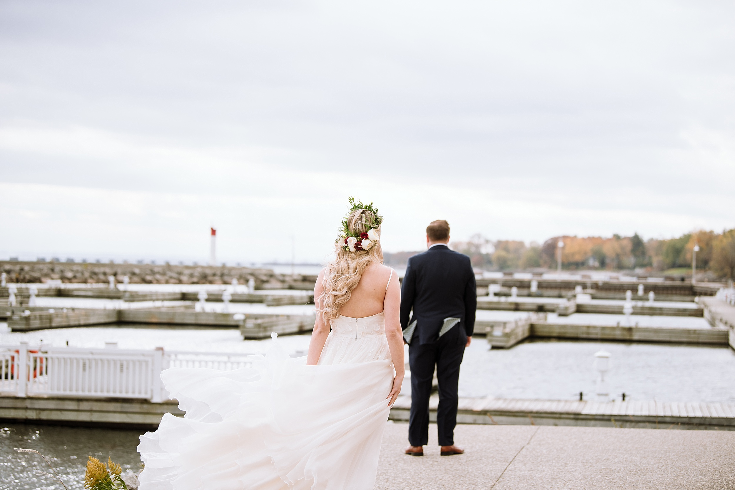 Oakville_Harbour_waterfront_conference_Centre_Toronto_Winter_Wedding_Photographer_0020.jpg