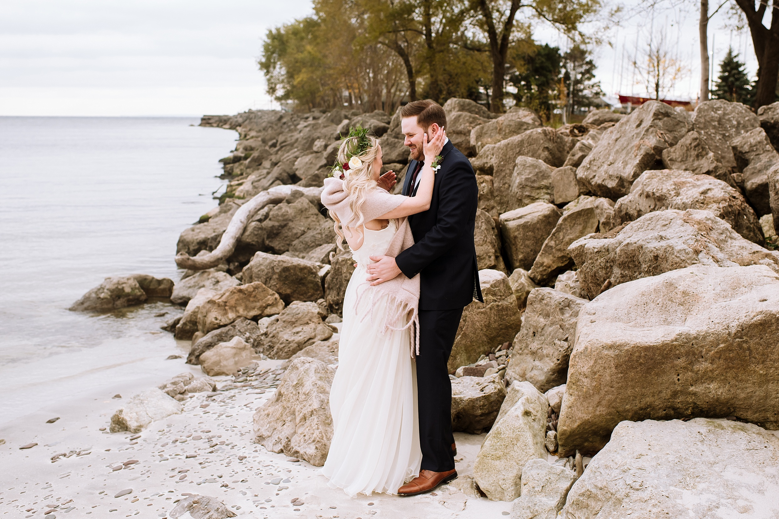 Oakville_Harbour_waterfront_conference_Centre_Toronto_Winter_Wedding_Photographer_0029.jpg