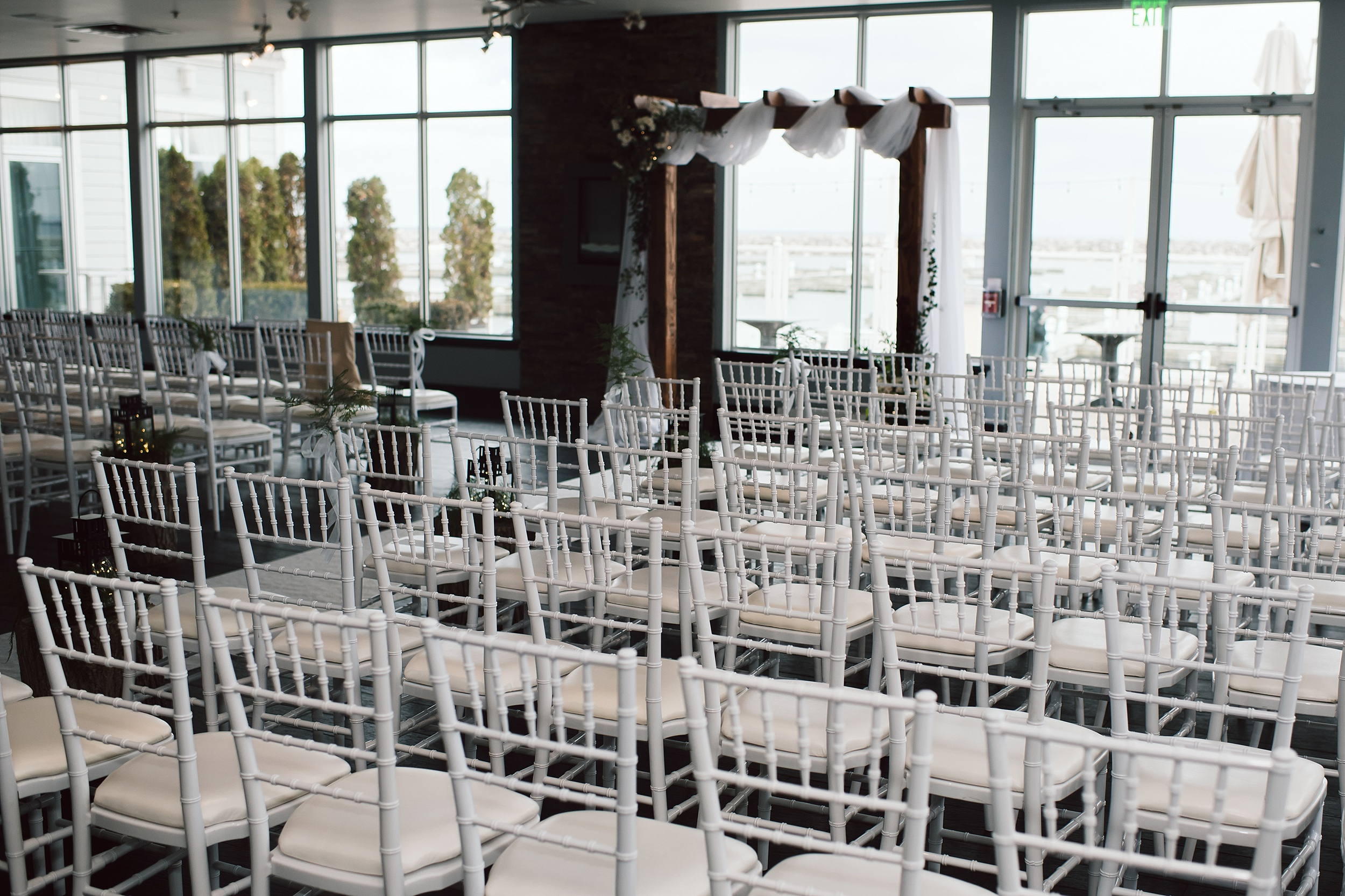 Oakville_Harbour_waterfront_conference_Centre_Toronto_Winter_Wedding_Photographer_0053.jpg