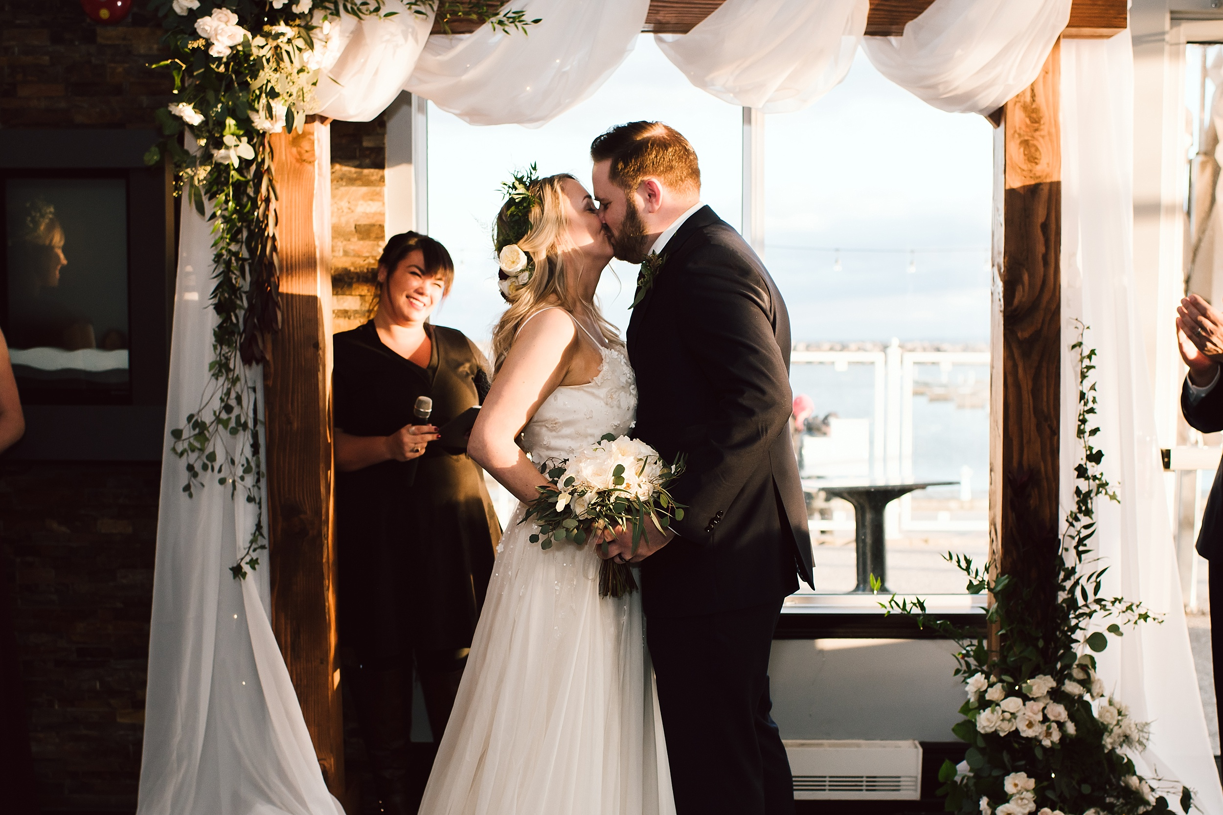 Oakville_Harbour_waterfront_conference_Centre_Toronto_Winter_Wedding_Photographer_0060.jpg