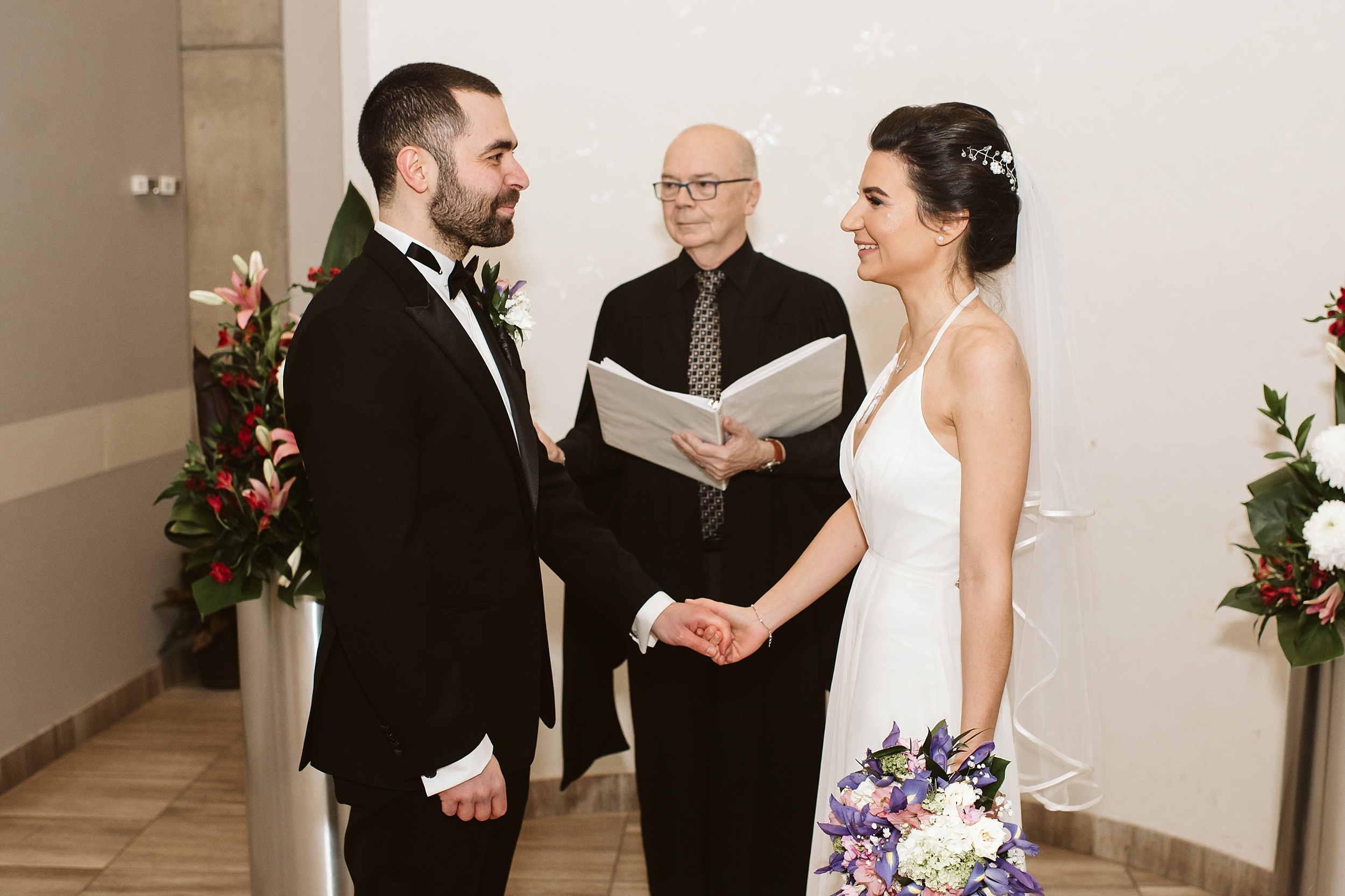 Toronto_City_Hall_Elopement_Wedding_Photographer019.jpg
