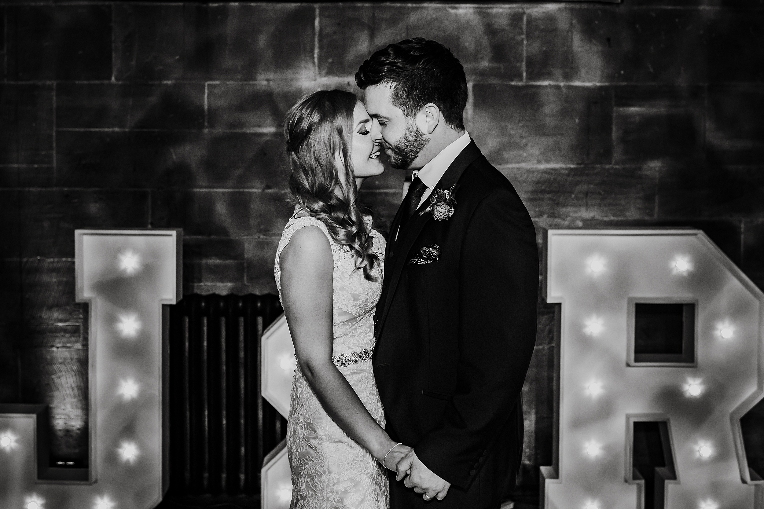 Peckforton_Castle_Cheshire_Toronto_Wedding_Photographer_UK_Destination_Wedding_0144.jpg