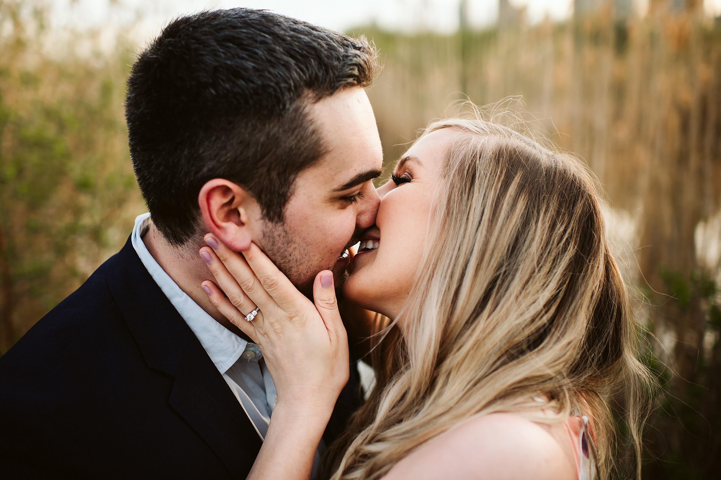 Toronto_Wedding_Photographers_Humber_Bay_Engagement_Shoot_Etobicoke_0016.jpg
