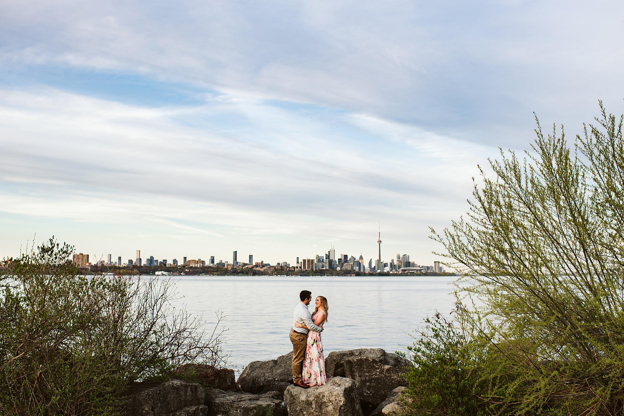 Toronto_Wedding_Photographers_Humber_Bay_Engagement_Shoot_Etobicoke_0019.jpg