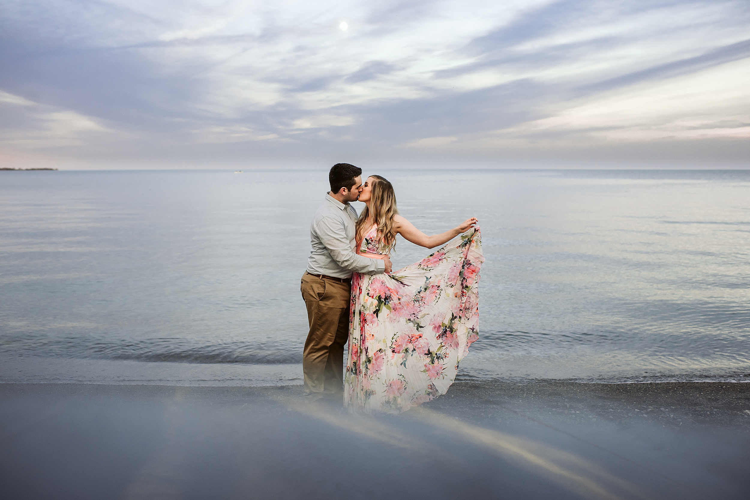 Toronto_Wedding_Photographers_Humber_Bay_Engagement_Shoot_Etobicoke_0032.jpg