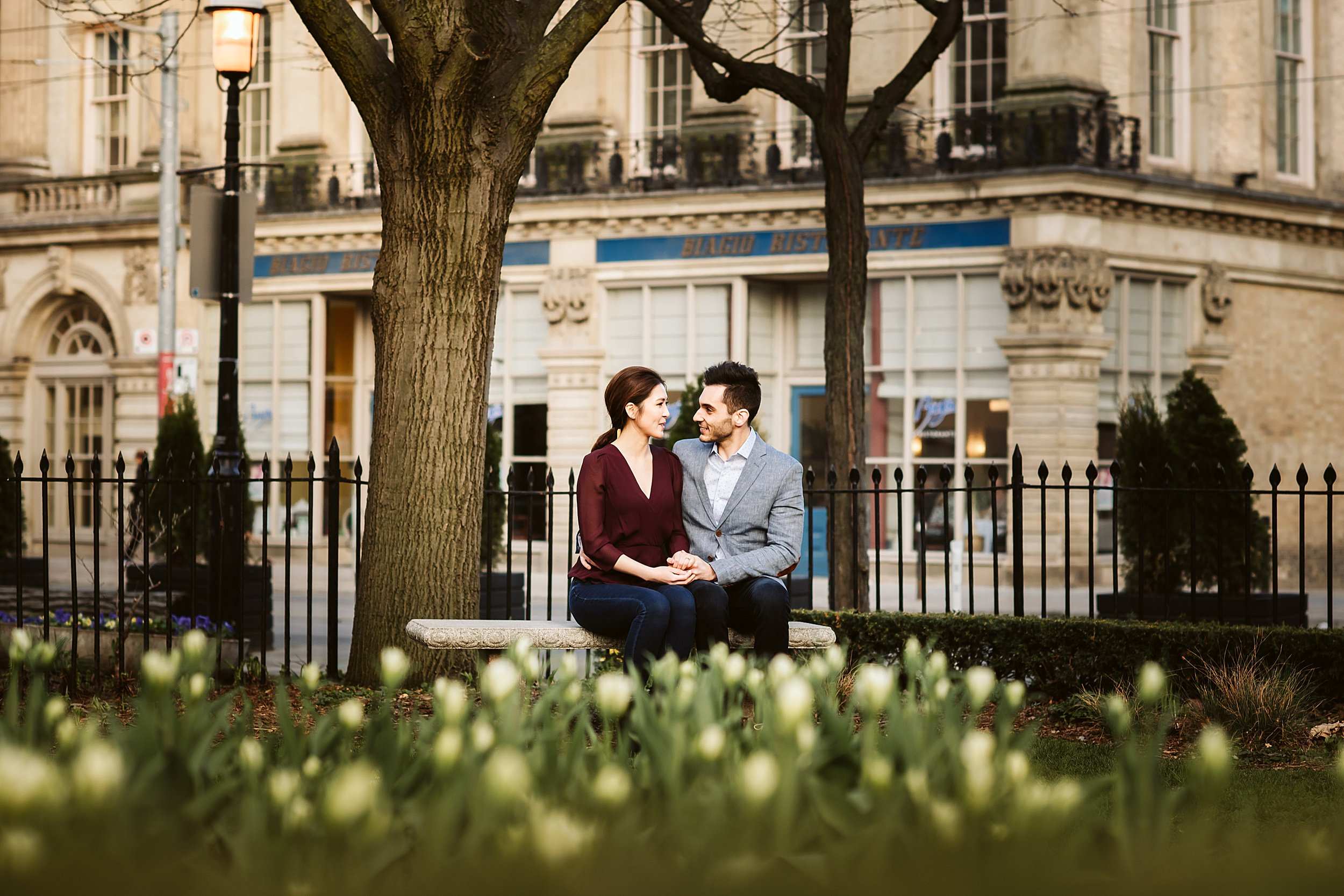Toronto-Wedding-Photographers-St-Lawrence-Market-Engagement-shoot_0004.jpg