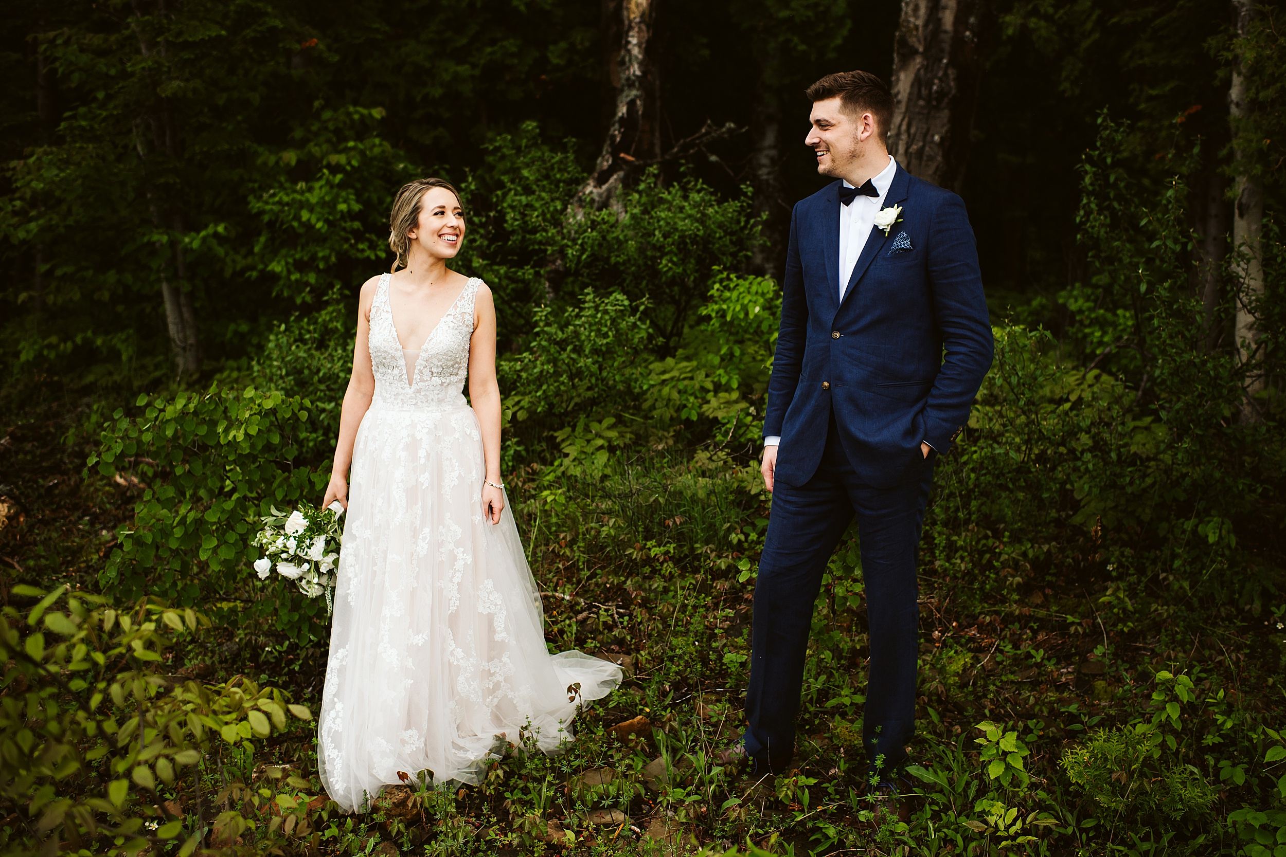 Toronto-Wedding-Photographers-Serenity-Cottage-Annan-Owen-Sound_0017.jpg