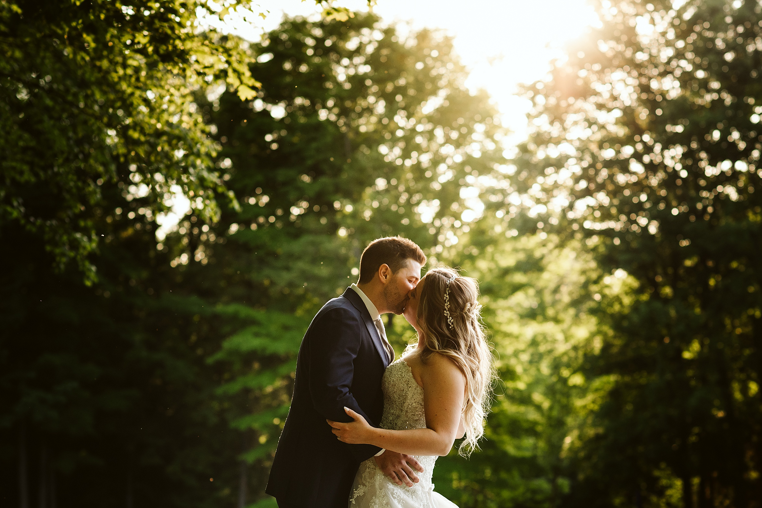 Toronto-Wedding-Photographers-Pheasant-run-golf-club-newmarket_0028.jpg