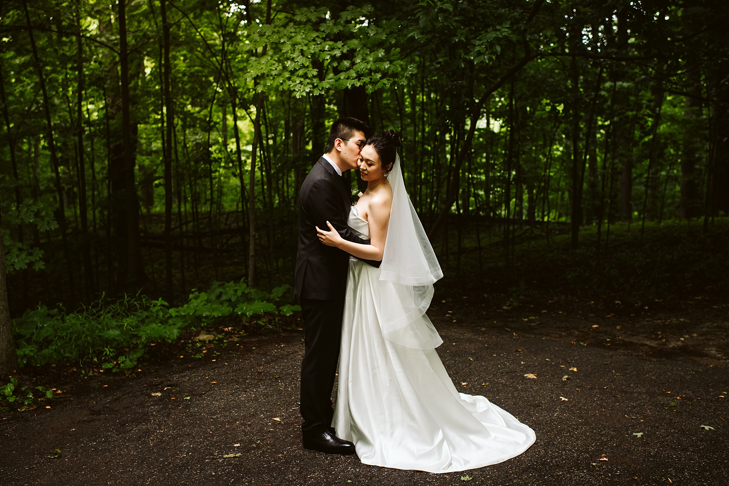 Kortright-Centre-Wedding-Toronto-Wedding-Photographers-Vaughan_0004.jpg