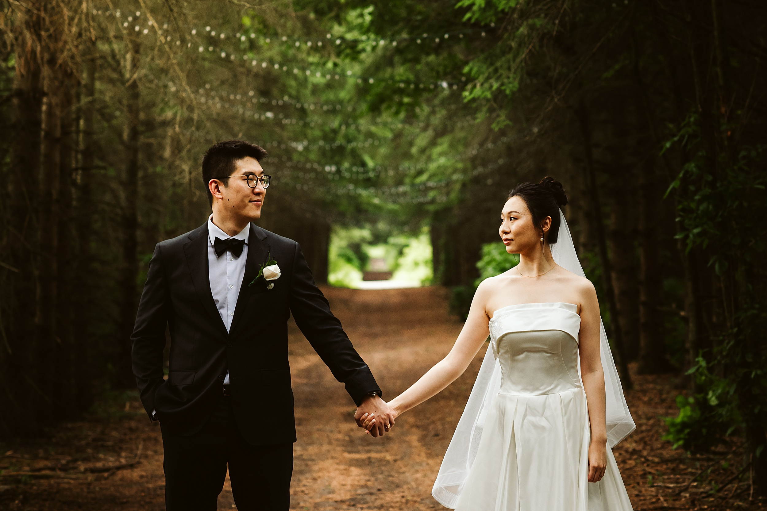 Kortright-Centre-Wedding-Toronto-Wedding-Photographers-Vaughan_0013.jpg