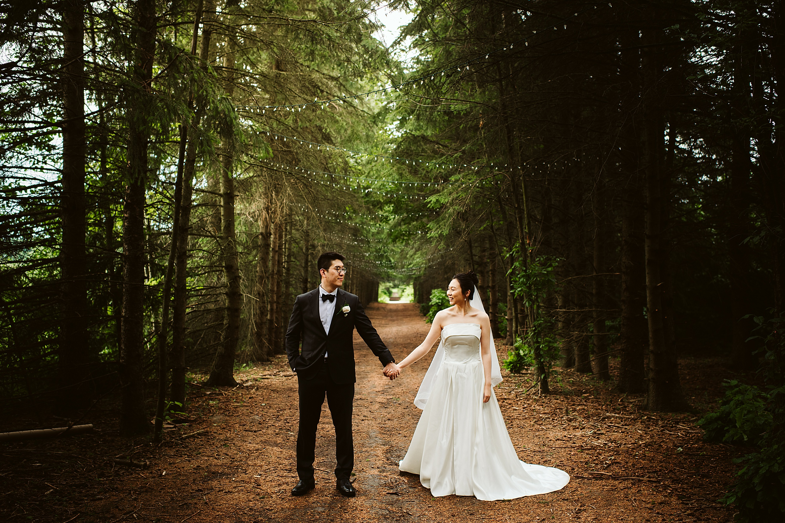 Kortright-Centre-Wedding-Toronto-Wedding-Photographers-Vaughan_0014.jpg