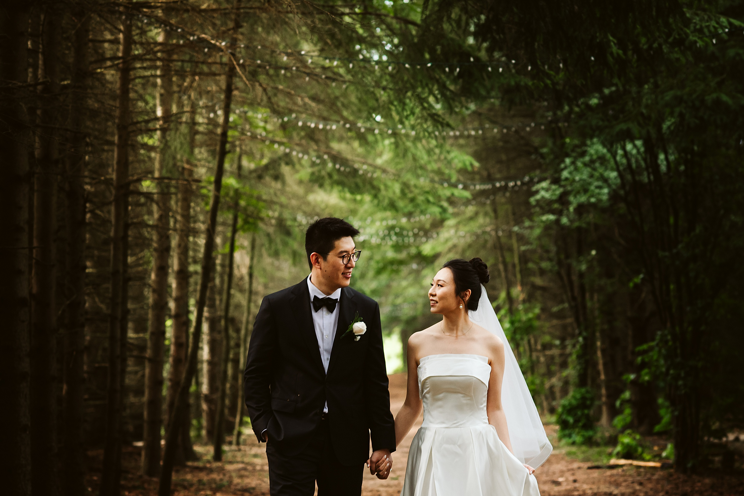 Kortright-Centre-Wedding-Toronto-Wedding-Photographers-Vaughan_0019.jpg
