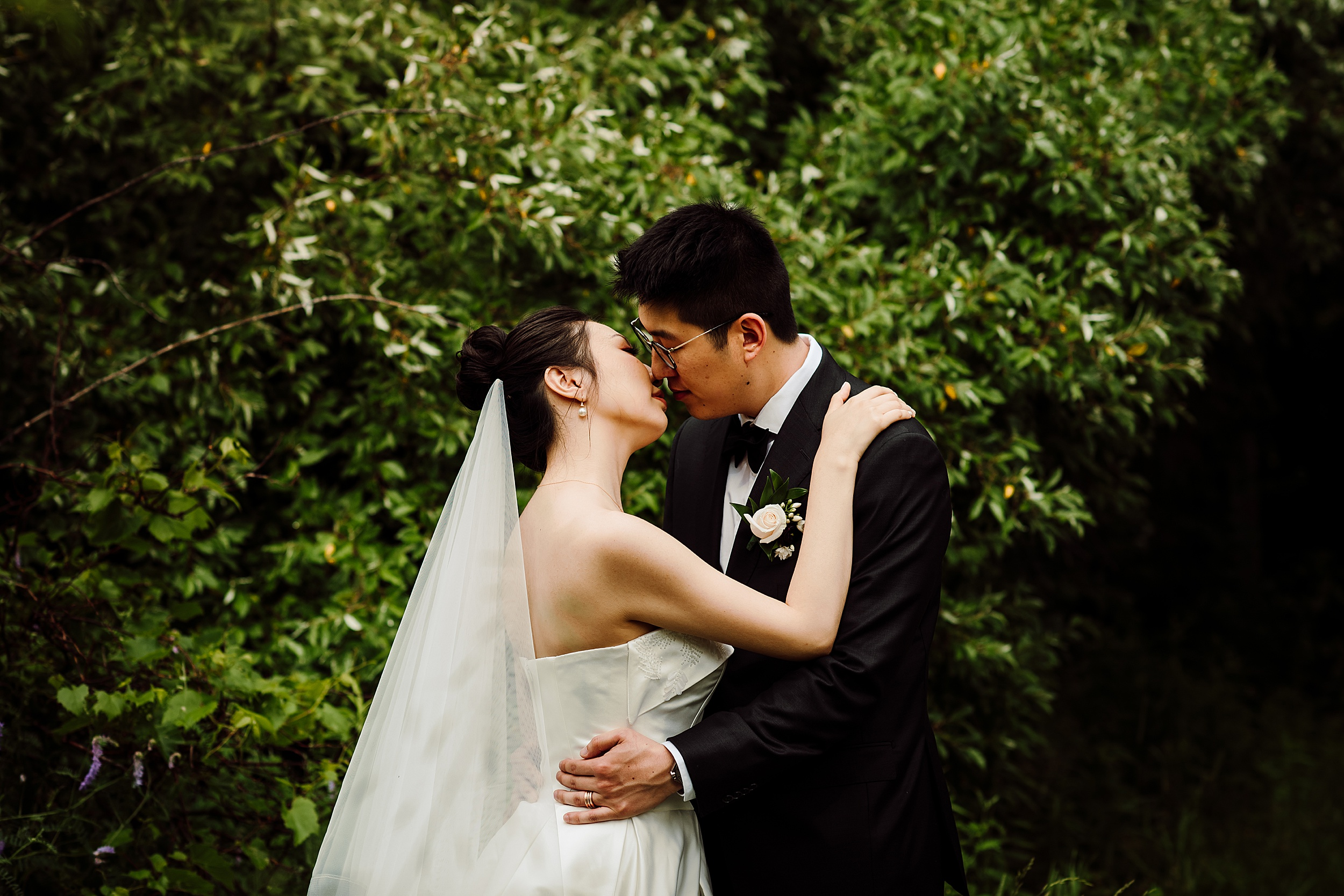 Kortright-Centre-Wedding-Toronto-Wedding-Photographers-Vaughan_0021.jpg