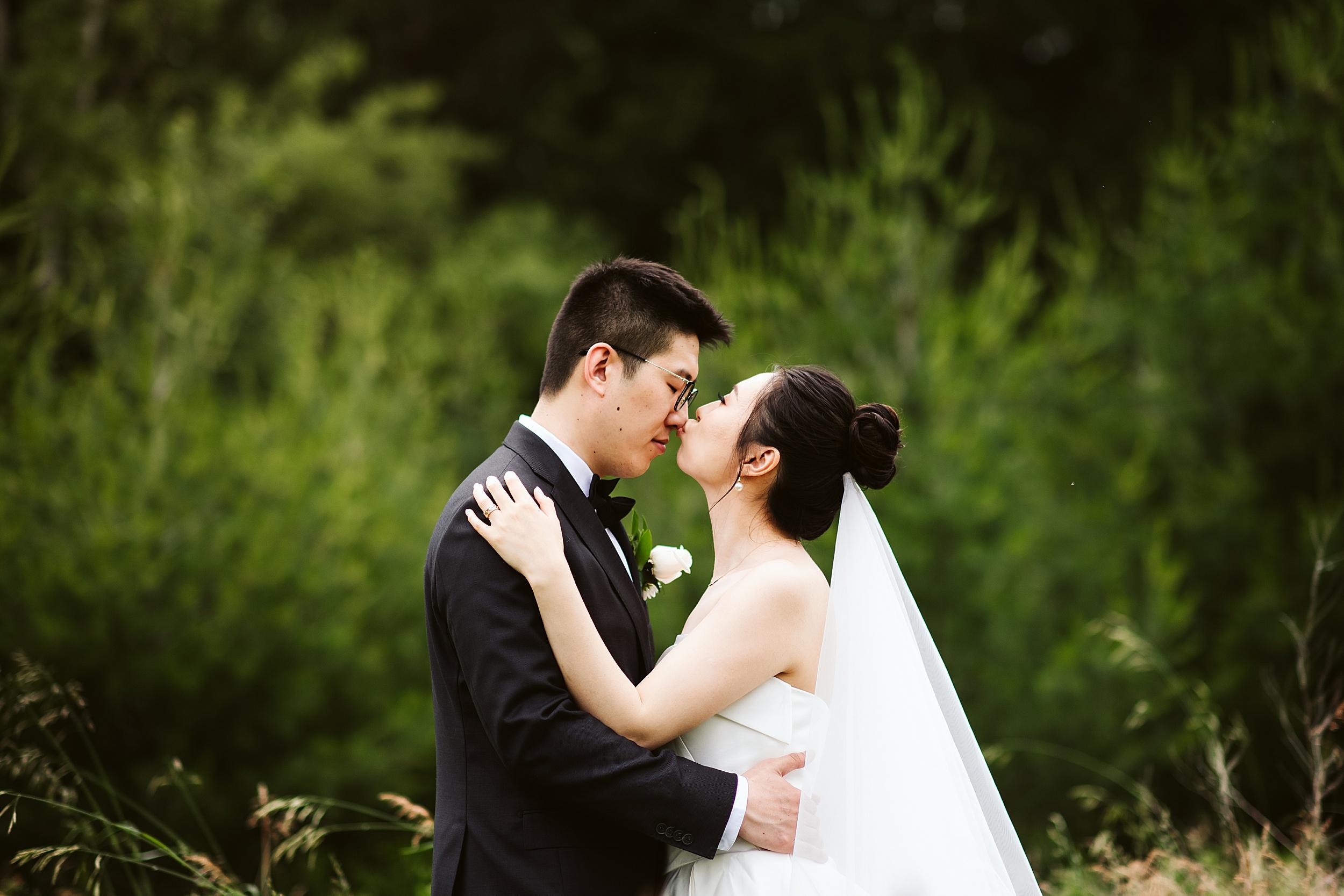 Kortright-Centre-Wedding-Toronto-Wedding-Photographers-Vaughan_0028.jpg