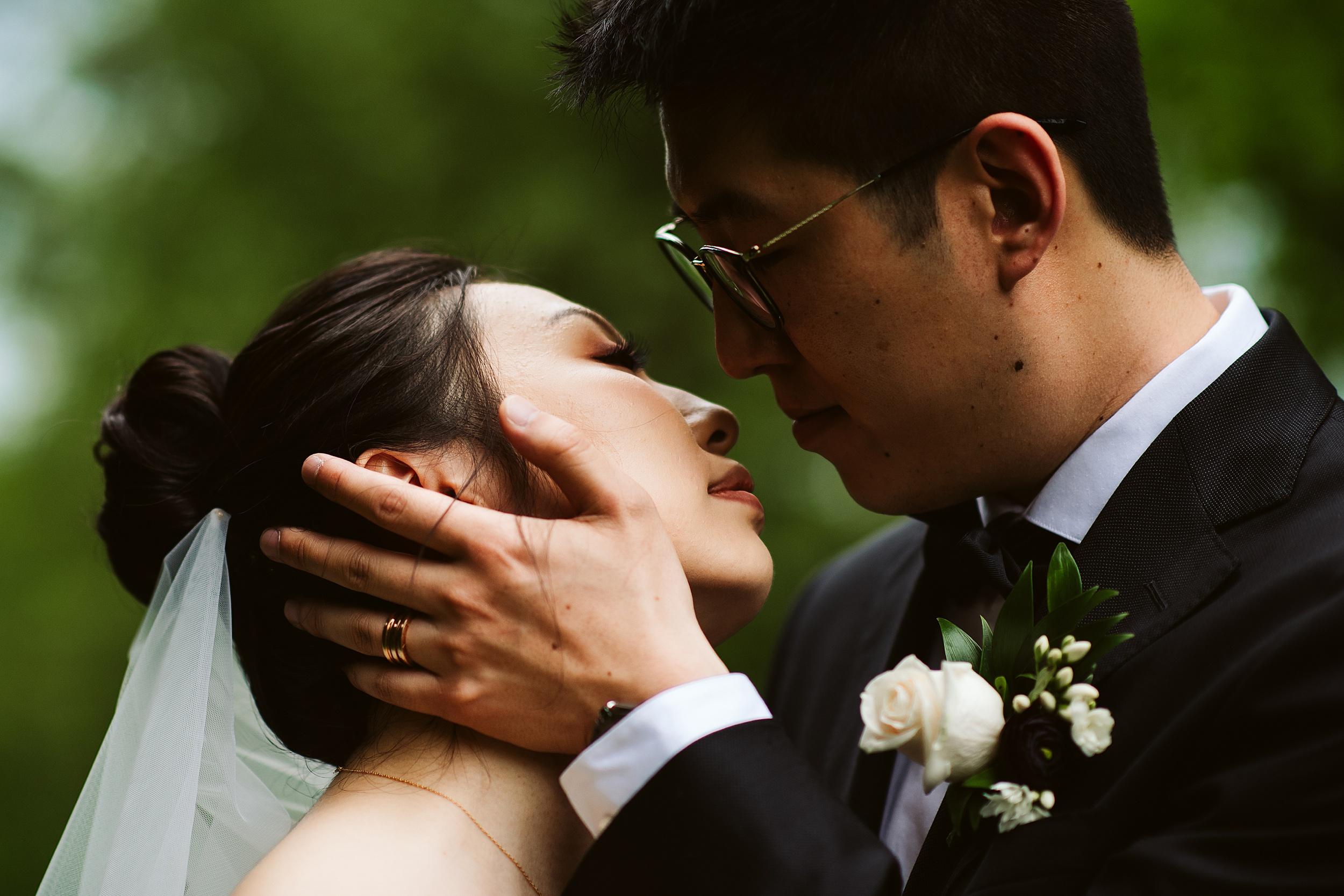 Kortright-Centre-Wedding-Toronto-Wedding-Photographers-Vaughan_0030.jpg