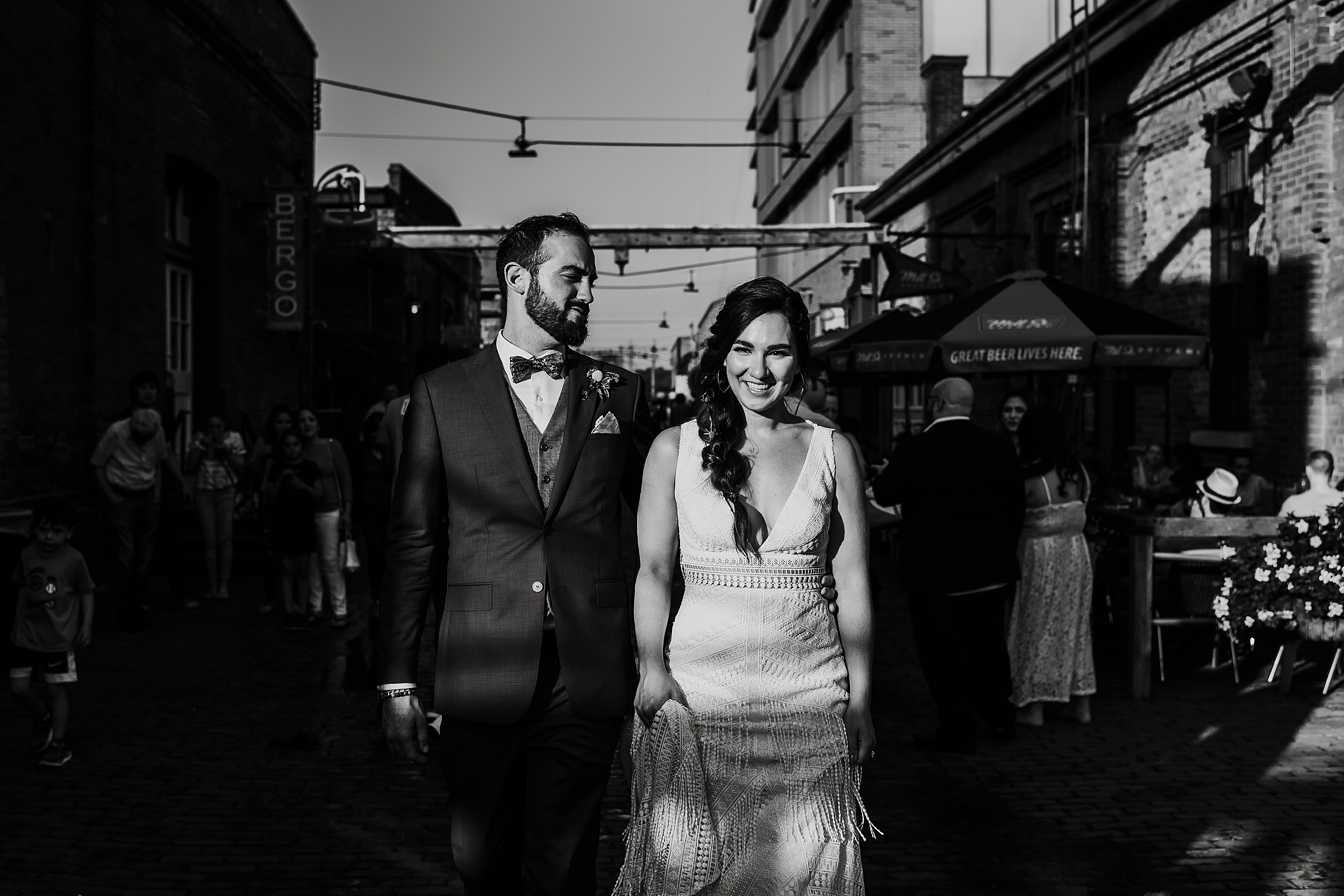 Airship-37-Berkeley-Events-Distillery-District-Wedding-Toronto-Wedding-Photographers_0044.jpg
